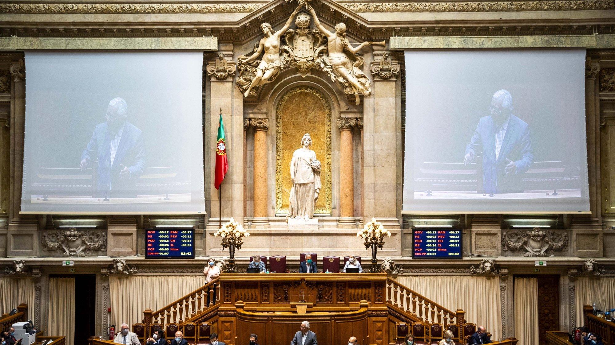O primeiro-ministro, António Costa, usa da palavra durante o debate quinzenal, na Assembleia da República, em Lisboa, 03 de junho de 2020. JOSÉ SENA GOULÃO/LUSA