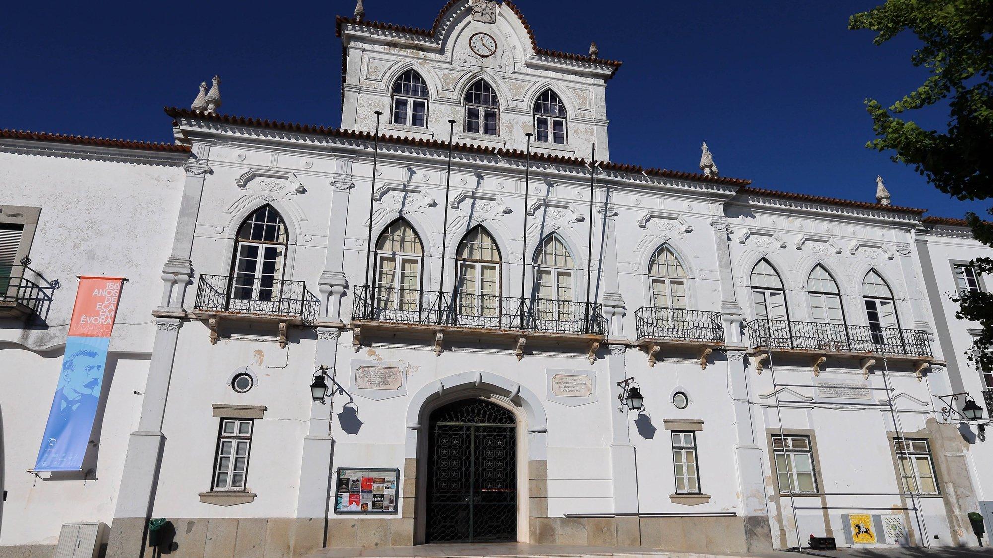 Fachada do edifício da Câmara Municipal de Évora, 28 de dezembro de 2017. NUNO VEIGA/LUSA