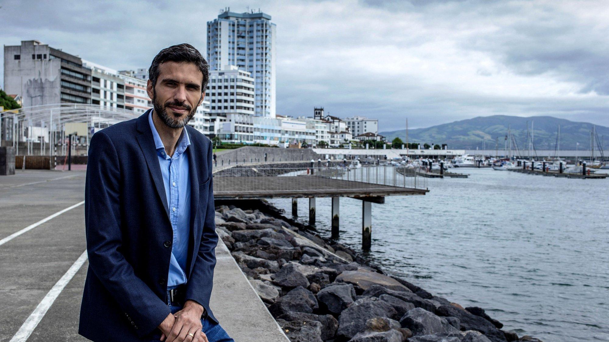 António Lima, coordenador do Bloco de Esquerda nos Açores, será o primeiro candidato do círculo eleitoral açoriano às eleições legislativas de outubro, onde defende uma administração pública despartidarizada na região, Ponta Delgada, Açores 24 setembro 2020. ( ACOMPANHA TEXTO DO DIA 06 DE OUTUBRO DE 2020)  EDUARDO COSTA /LUSA