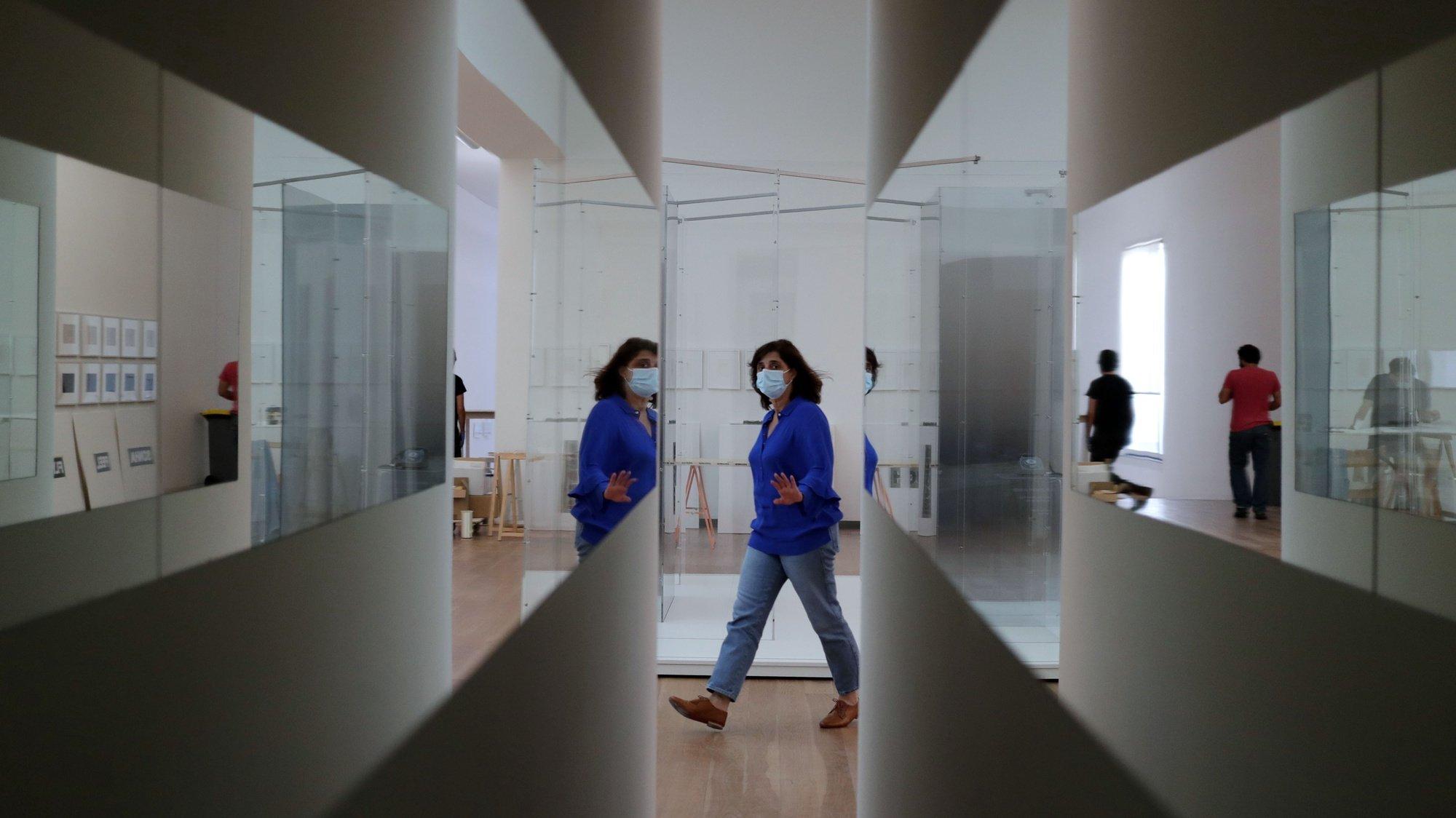 Montagem da exposição de Yoko Ono no Museu de Arte Contemporânea de Serralves, no Porto, 29 de maio de 2020. A exposição é inaugurada no dia 30 de maio. ESTELA SILVA/LUSA