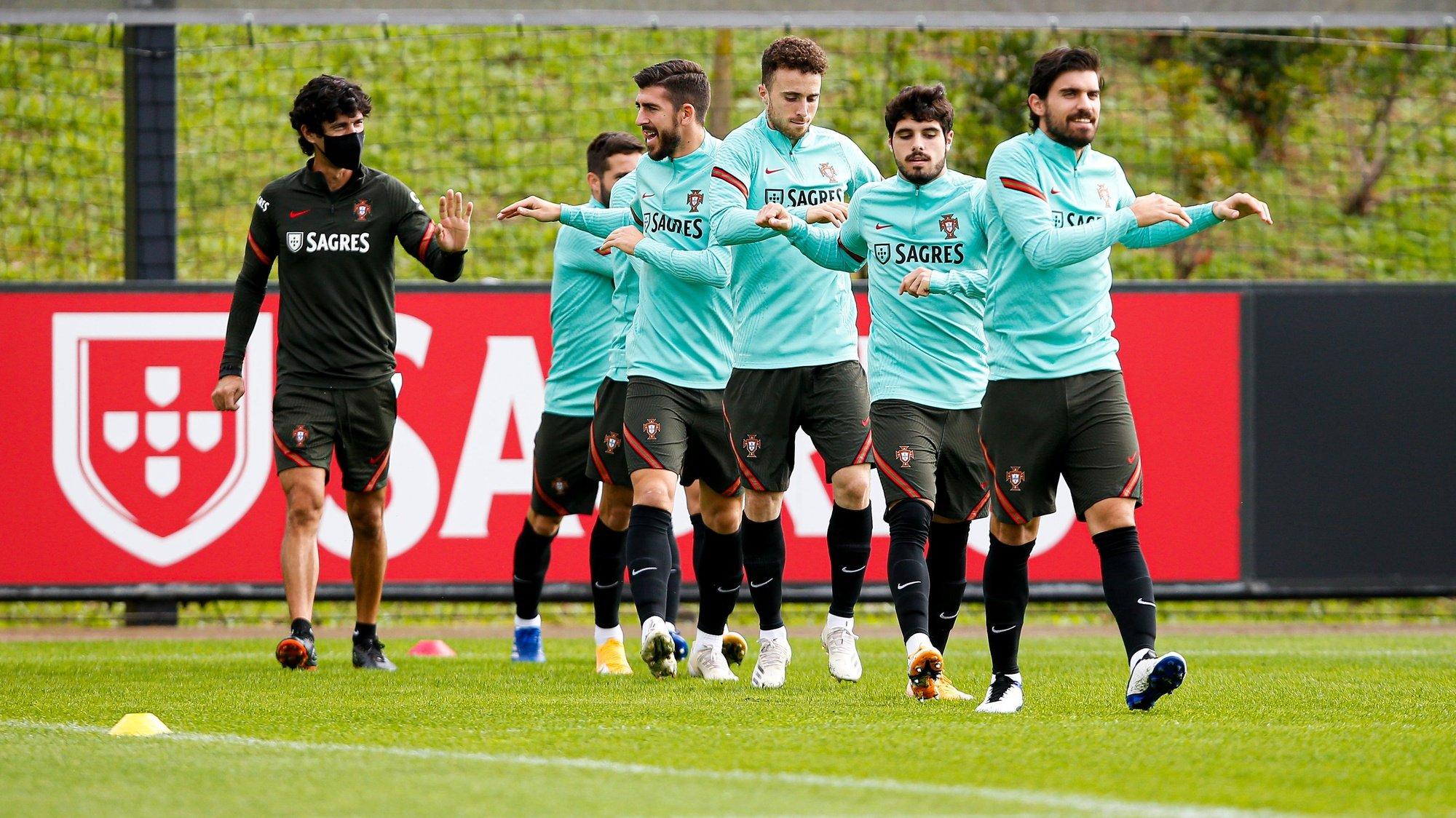 A handout photo made available by Portuguese Football Federation (FPF) shows Portugal players during a training session for the upcoming match with Croacia to be played next Tuesdayy, Oeiras, Portugal, 15th November 2020. FPF/LUSA