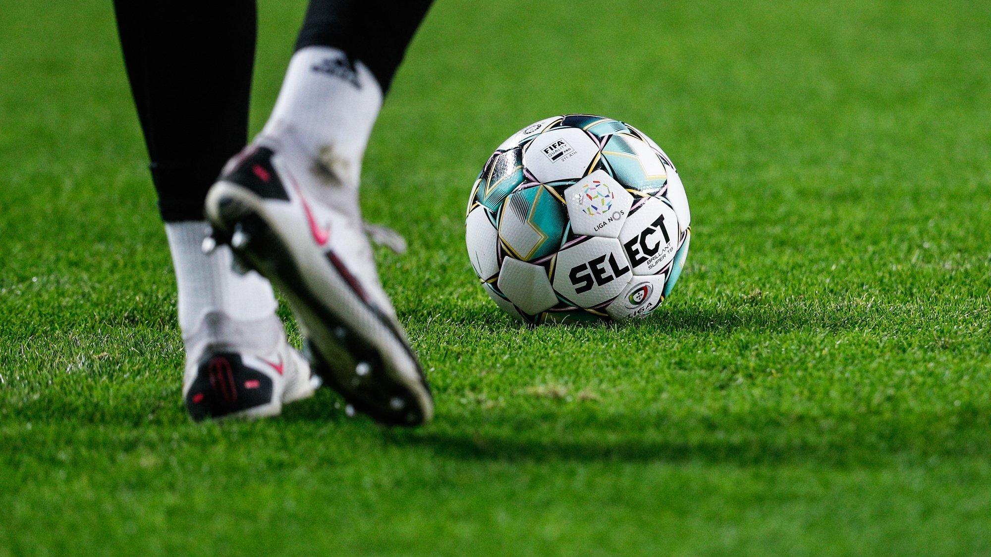 Bola de futebol que vai ser utilizada na época 2020-2021 da Liga de Futebol, em Lisboa, 29 de dezembro de 2020. ANTÓNIO COTRIM/LUSA