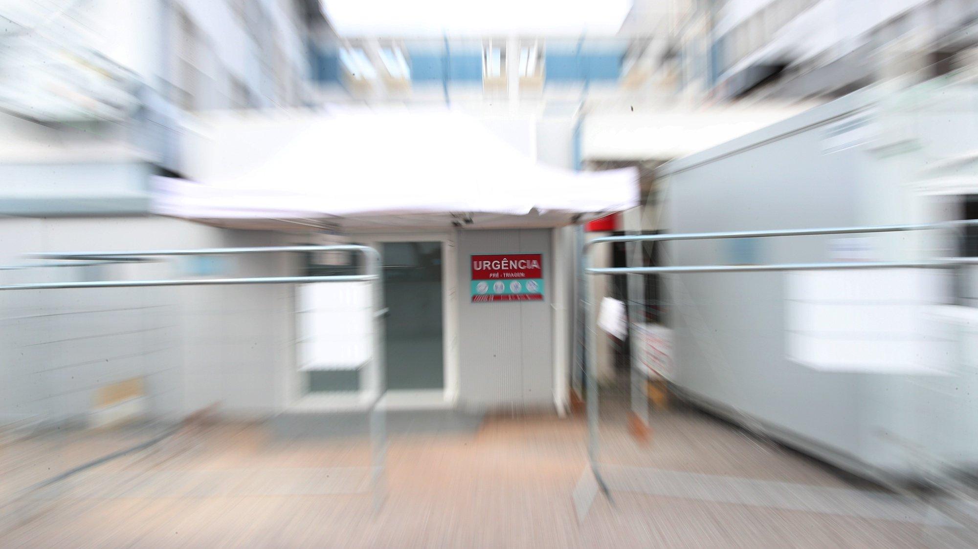 Entrada da triagem nas urgências do Hospital do Espírito Santo De Évora, em Évora, 16 de fevereiro de 2021. NUNO VEIGA/LUSA