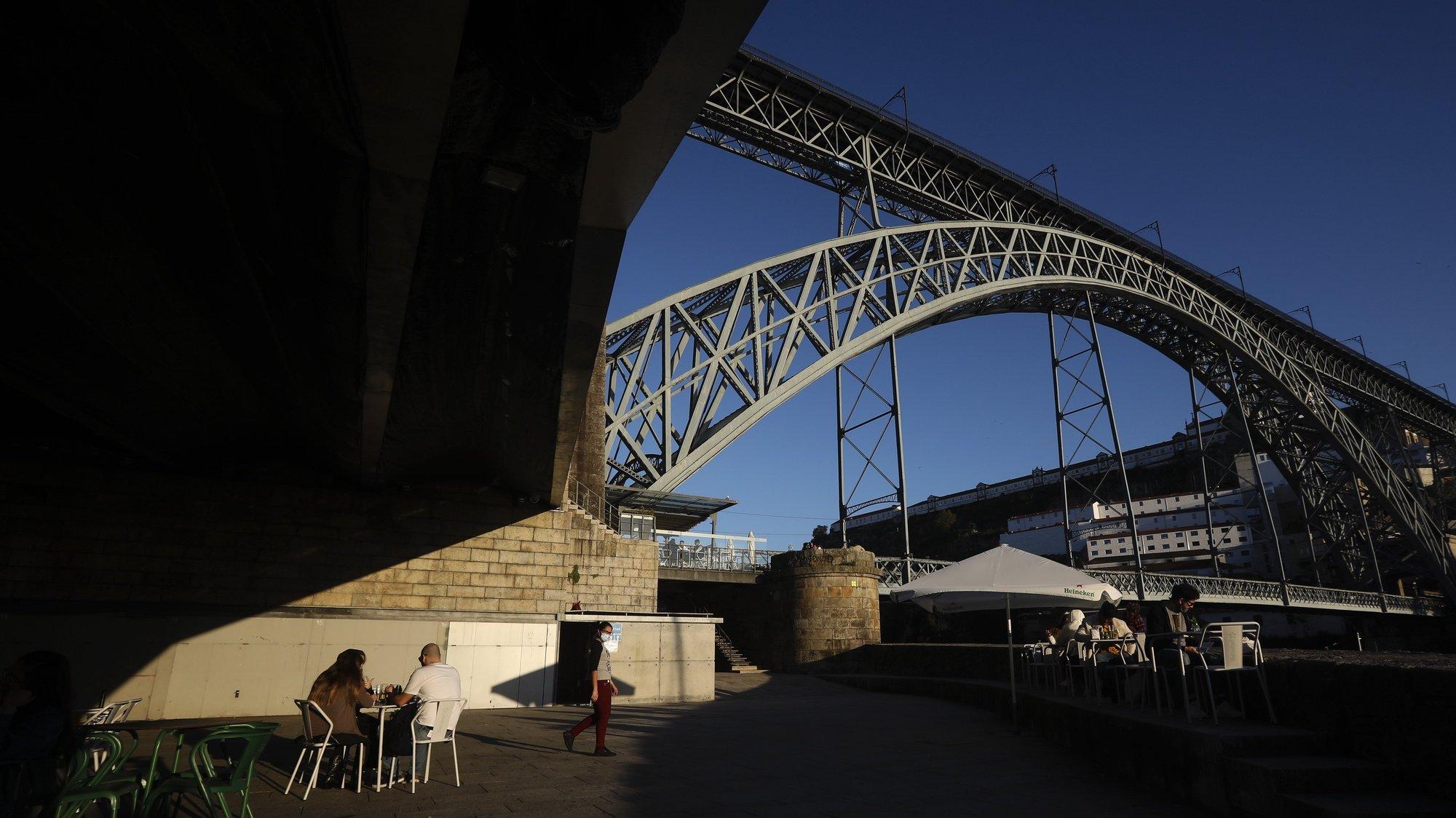 «««ARQUIVO»»»  Vista da Ponte D.Luís a partir da Ribeira do Porto, 10 novembro de 2020. JOSÉ COELHO/LUSA