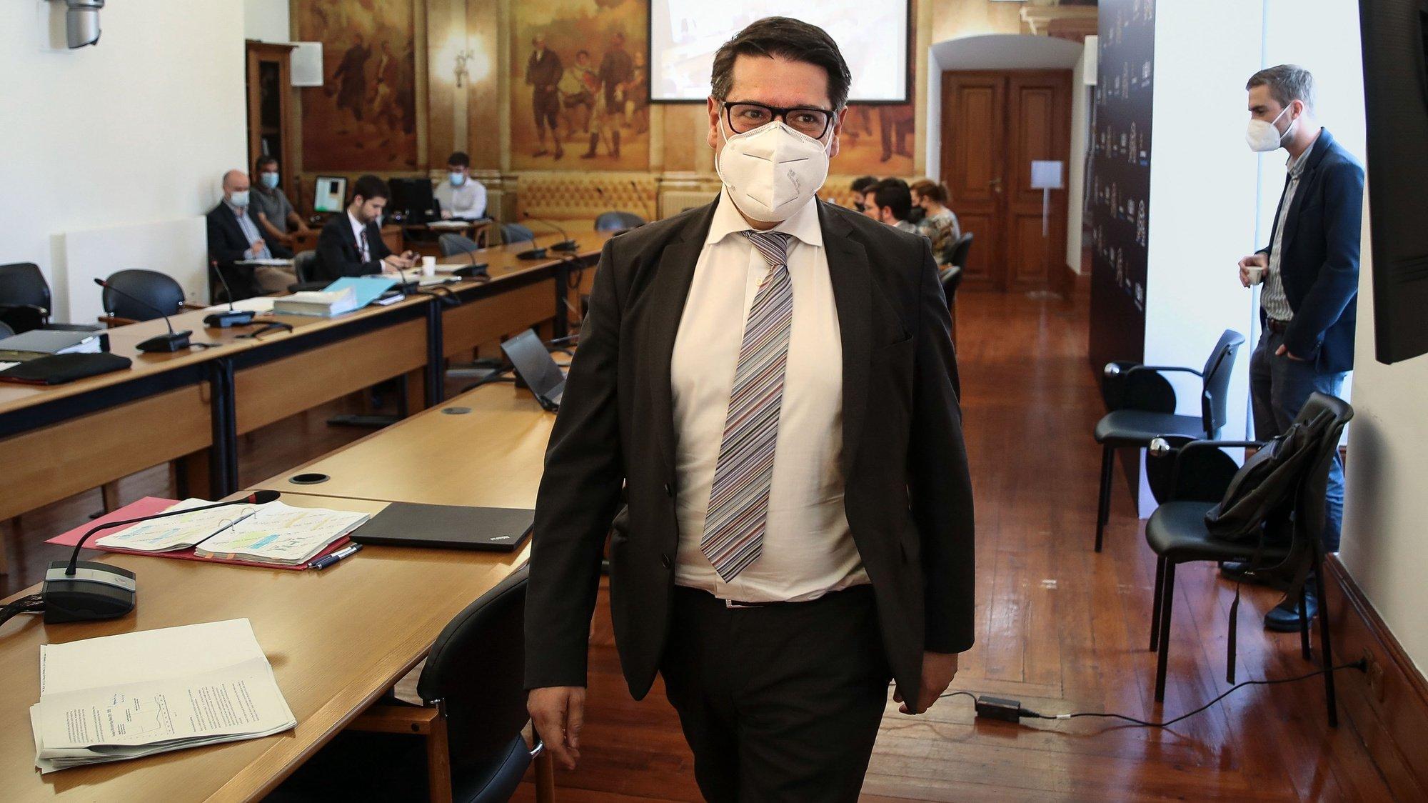 Mourinho Félix, ex-secretário de Estado Adjunto e das Finanças,  durante a audição na Comissão Eventual de Inquérito Parlamentar às perdas registadas pelo Novo Banco e imputadas ao Fundo de Resolução da  Assembleia da República, 11 junho  2021, em Lisboa.   MANUEL DE ALMEIDA / LUSA