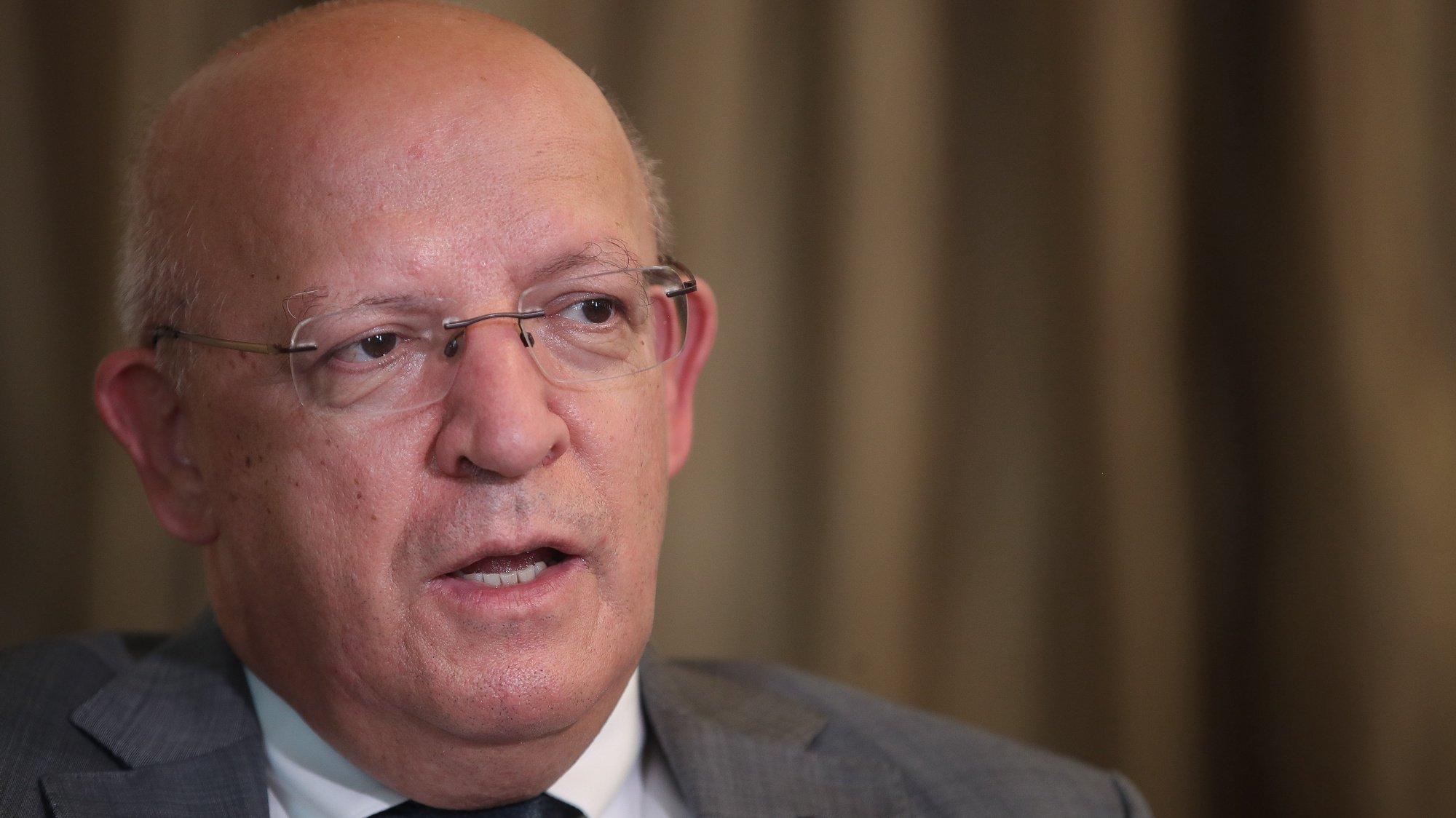 O ministro dos Negócios Estrangeiros, Augusto Santos Silva, durante uma entrevista à Lusa, no Ministério dos Negócios Estrangeiros, em Lisboa, 13 de julho de 2021. (ACOMPANHA TEXTO DA LUSA DO DIA 15 DE JULHO DE 2021). MÁRIO CRUZ/LUSA