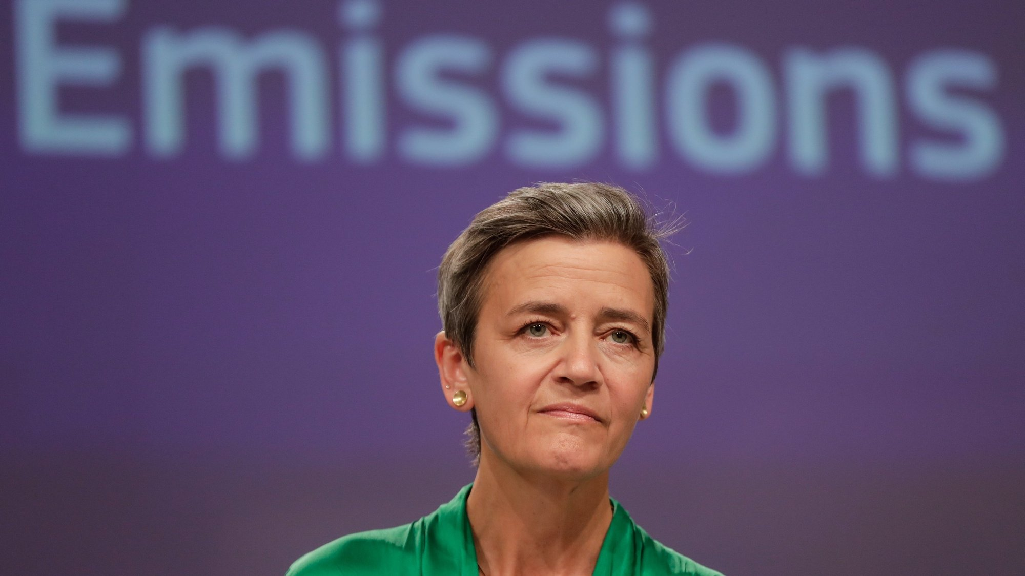 epa09330907 European Commission's executive vice president Margrethe Vestager gives a press conference on an antitrust case, Car Emissions Cartel, at the European Commission, in Brussels, Belgium, 08 July 2021.  EPA/STEPHANIE LECOCQ