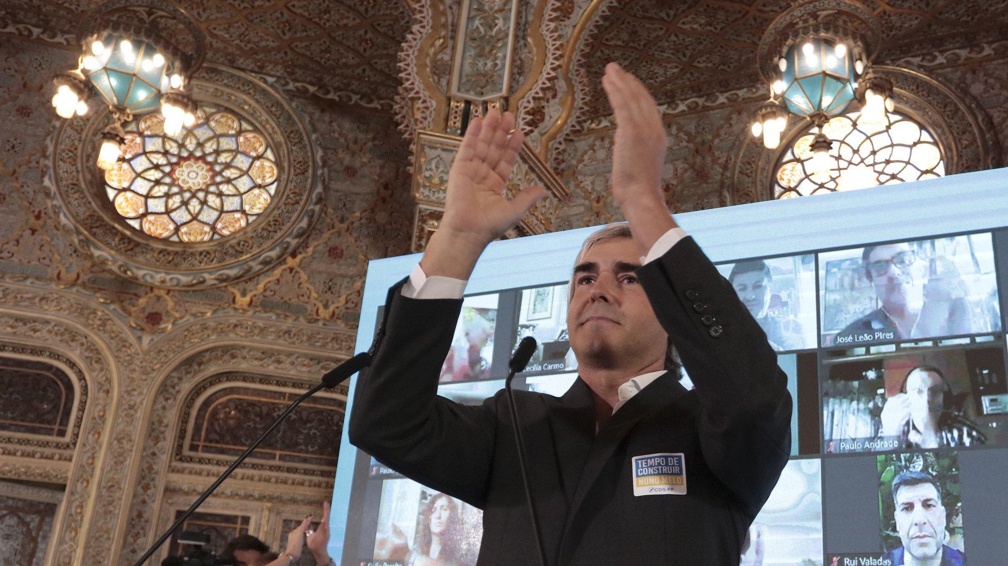 O Eurodeputado do CDS-PP, Nuno Melo, discursa durante a apresentação da sua candidatura à liderança do partido, no Palácio da Bolsa, na cidade do Porto, 9 de outubro de 2021. MANUEL FERNANDO ARAÚJO/LUSA