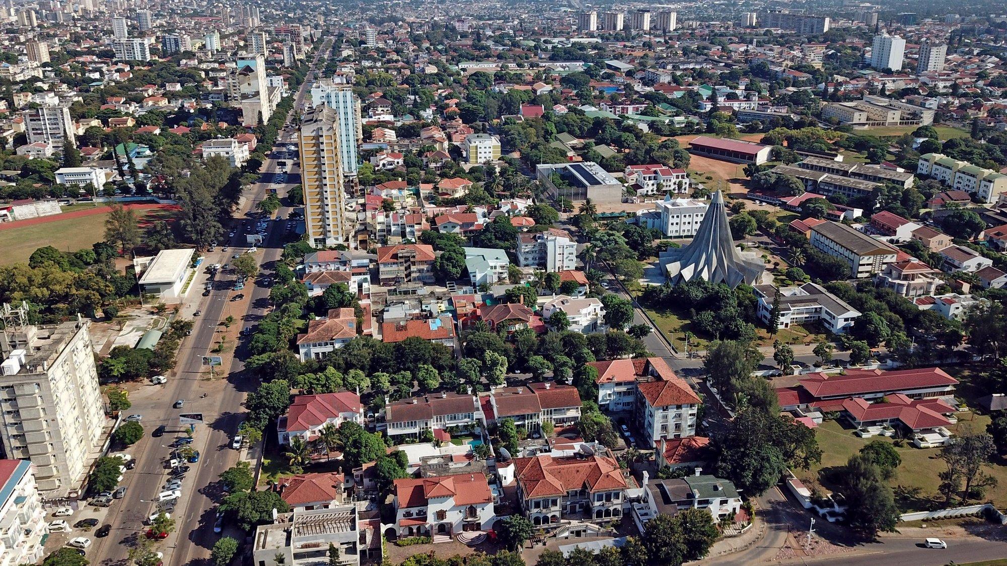 Fotografia aérea sobre o bairro Sommerschild, em Maputo, Moçambique, 23 de abril de 2020. ANTÓNIO SILVA/LUSA