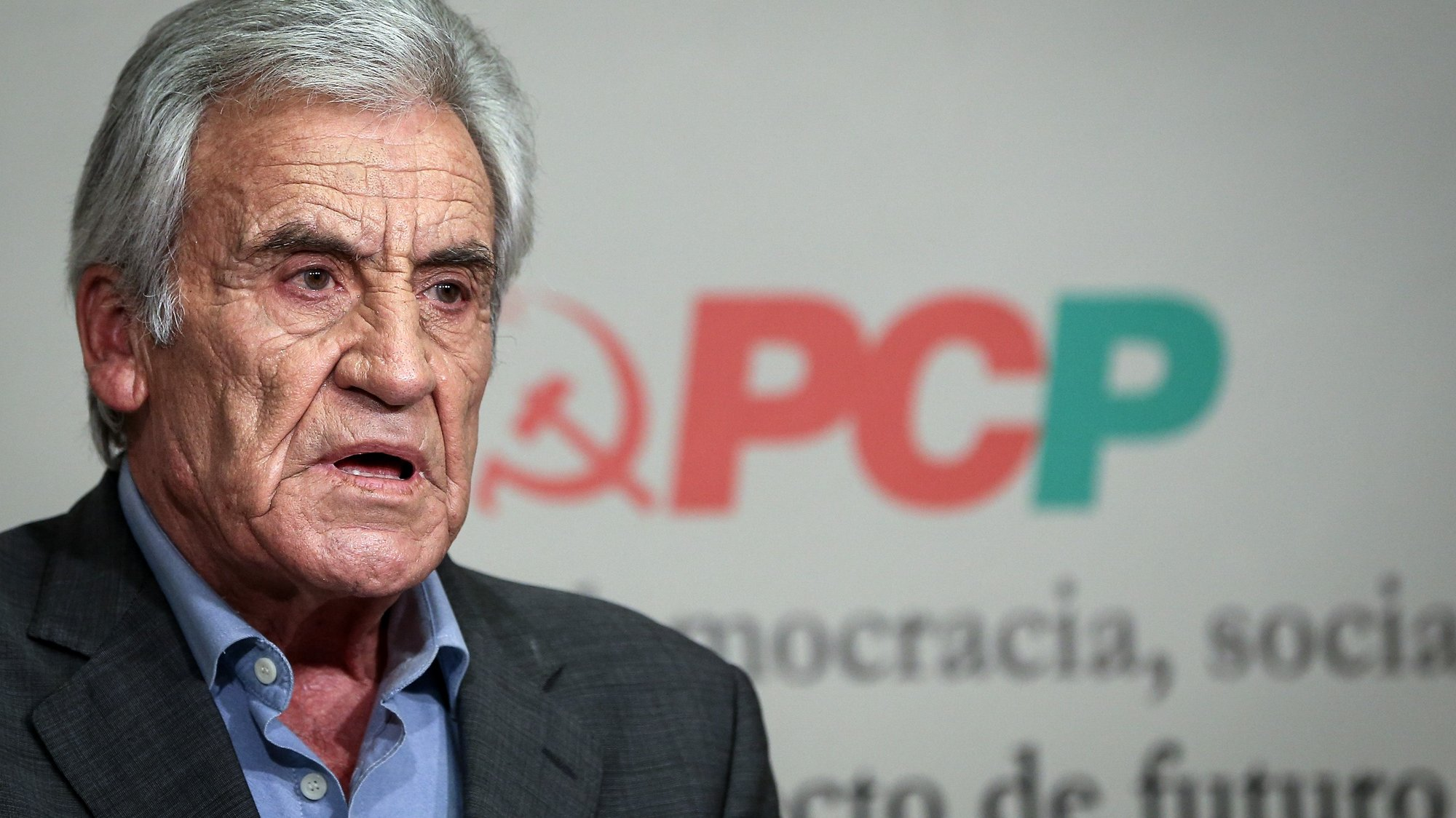 O secretário-geral do Partido Comunista Português (PCP), Jerónimo de Sousa, discursa durante a conferência de imprensa para a apresentação das principais conclusões da reunião do Comité Central, na sede do partido, em Lisboa, 29 de junho de 2021. RODRIGO ANTUNES/LUSA