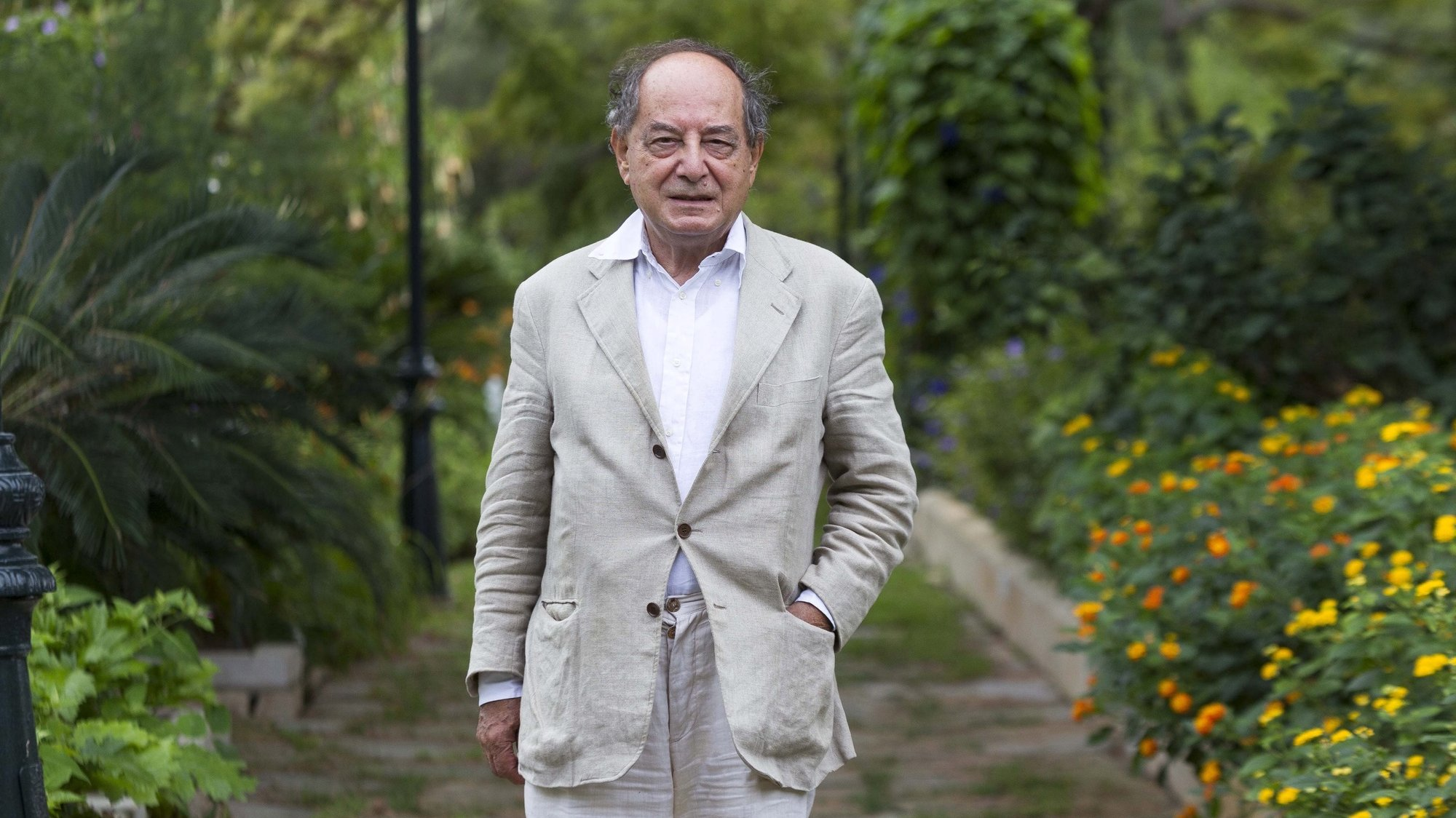 epa05542291 Italian writer and publicher Roberto Calasso poses during an interview with Spanish News Agency EFE at Pollenca in Majorca, Spain, 16 September 2016. Calasso will be awarded later in the day with the 'Formentor de las Letras' Award.  EPA/CATI CLADERA