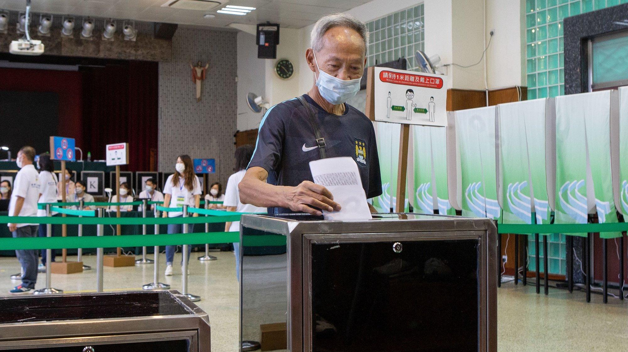 Decorre hoje em Macau as eleições para a 7ª Assembleia Legislativa da RAEM. Macau, 12 de Setembro de 2021. CARMO CORREIA/LUSA