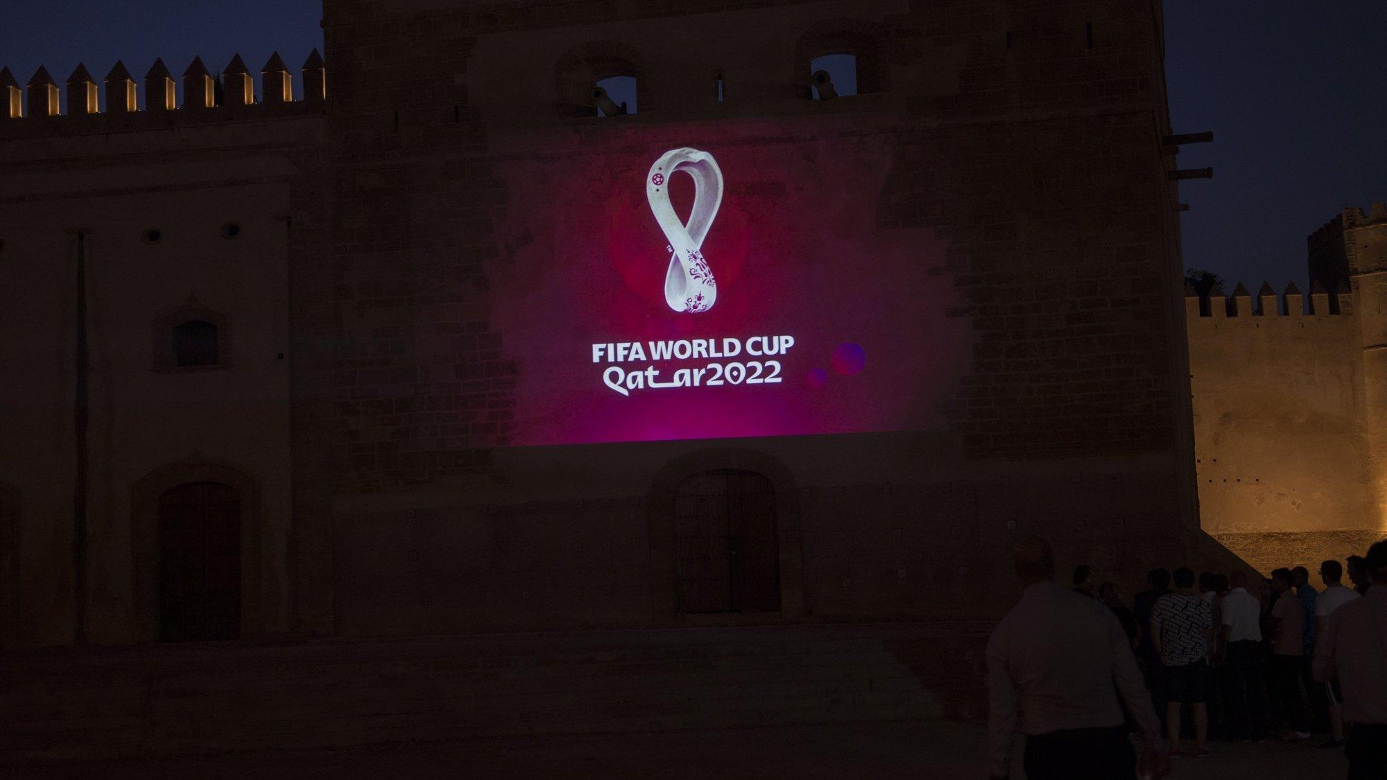 Emblema oficial do Mundial de 2022, que se irá realizar no Qatar.