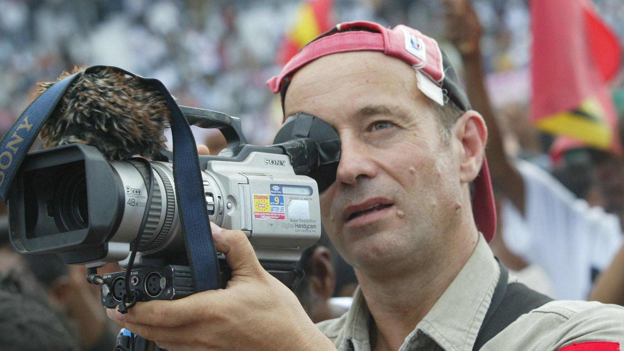 O jornalista australiano, Max Stahl, conhecido por filmar e denunciar o massacre de S. Cruz, em 12 de Novembro de 1991, 27 de Junho de 2007, Dili, Timor-Leste. (ACOMPANHA TEXTO)   NUNO VEIGA/LUSA