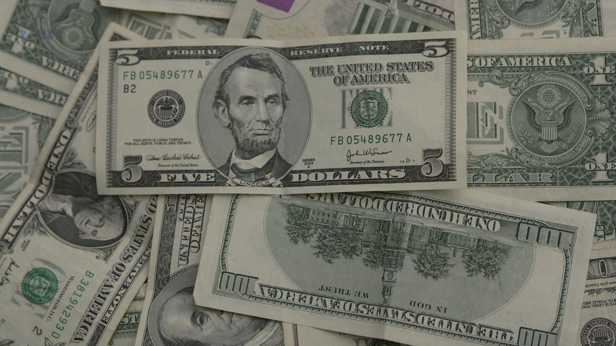 (Arquivo) Notas de Dollar