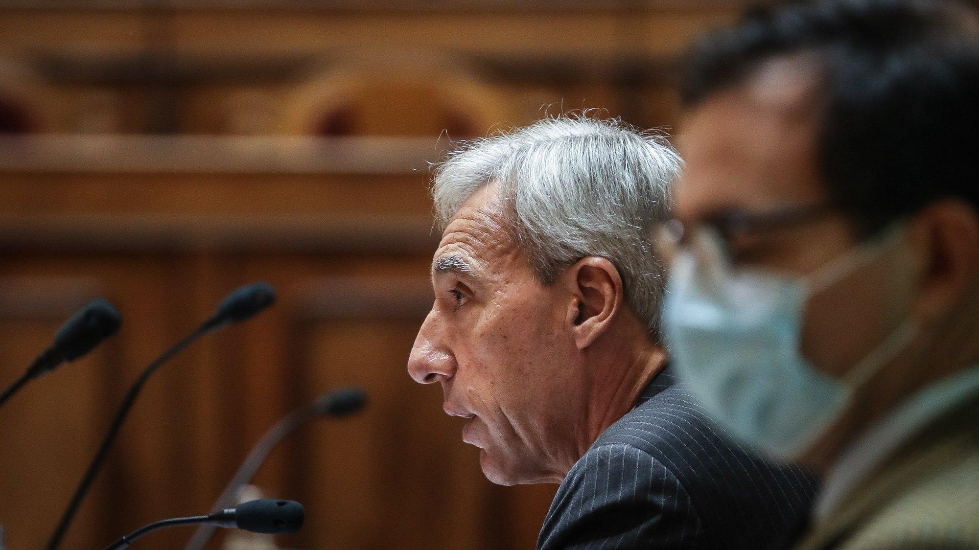 O ministro da Defesa Nacional, João Gomes Cravinho, durante a sua audição perante a Comissão de Defesa Nacional, na Assembleia da República, em Lisboa, 16 de dezembro de 2020. MÁRIO CRUZ/LUSA