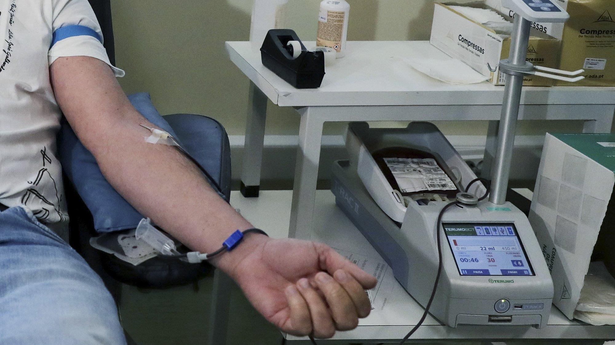 Doação de sangue no Centro Hospitalar Universitário de São João, no Porto, 11 de janeiro de 2021. ESTELA SILVA/LUSA