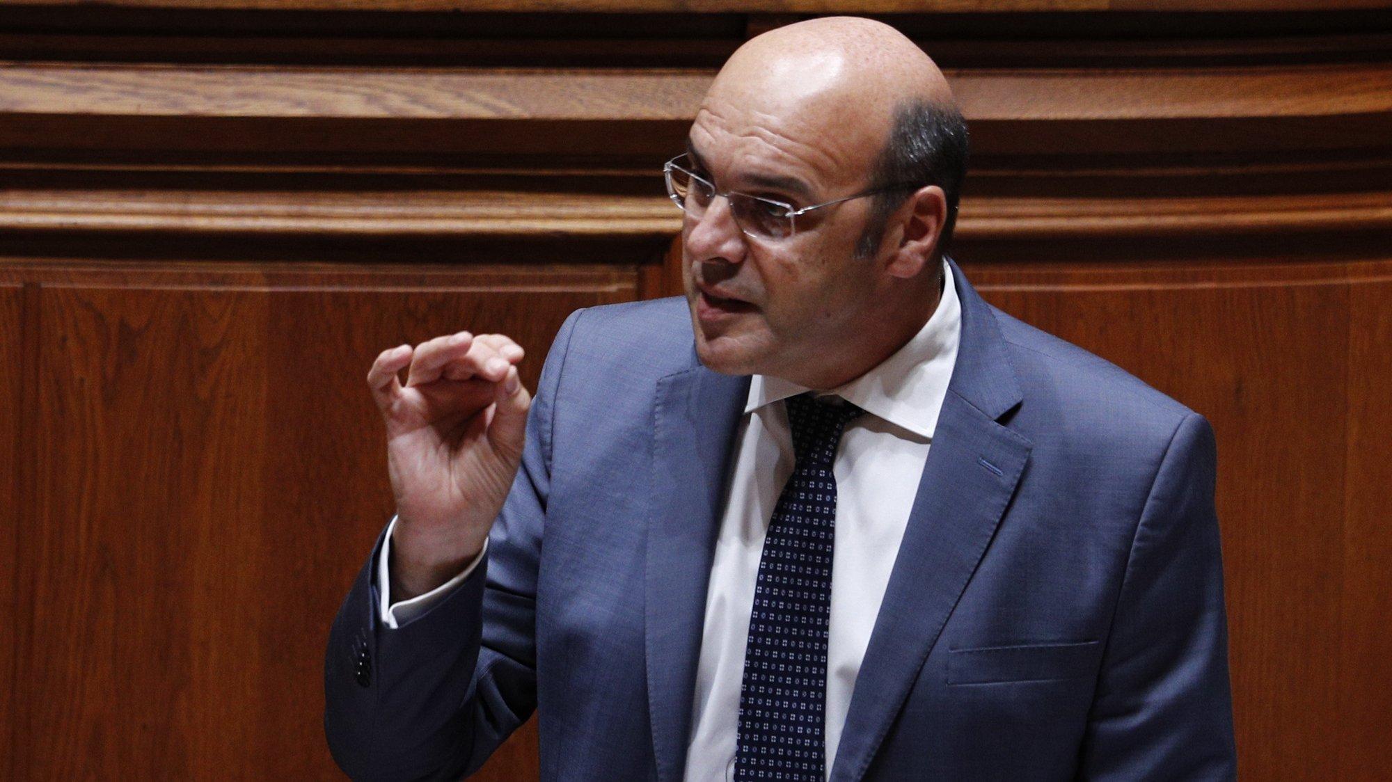O ministro de Estado, da Economia e da Transição Digital, Pedro Siza Vieira, intervém durante o debate parlamentar sobre o estado da Nação, na Assembleia da República, em Lisboa, 21 de julho de 2021. ANTÓNIO COTRIM/LUSA