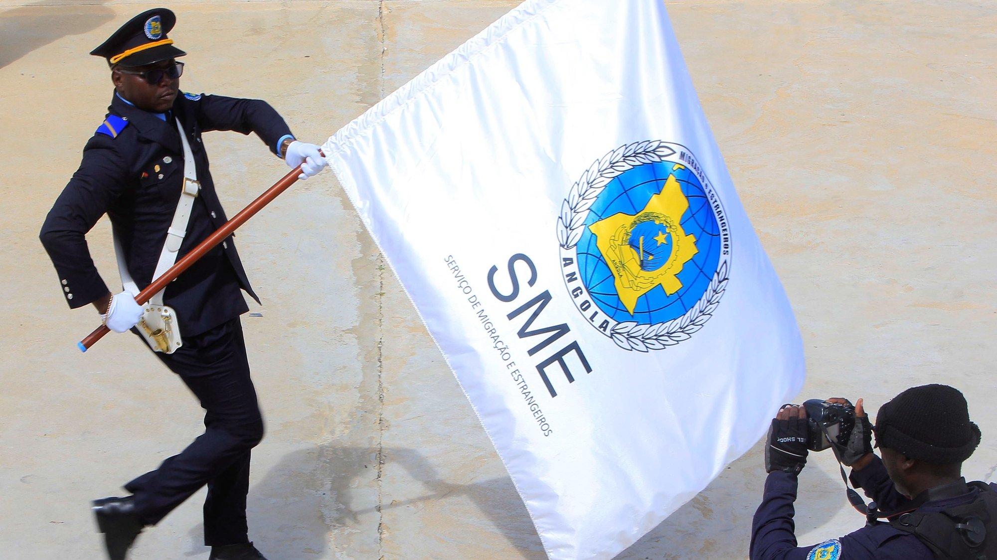 """Cerimonia do 43.º aniversário do Serviço de Migração e Estrangeiros (SME) """"SME – Rumo à Excelência no Controlo Migratório"""", cerimónia  presidida pelo ministro do Interior angolano, Ângelo Veiga Tavares, com desfile das Forças em Parada, inauguração da Escola de Migração e várias outras atividades, 18 abril 2019. AMPE ROGERIO / LUSA"""