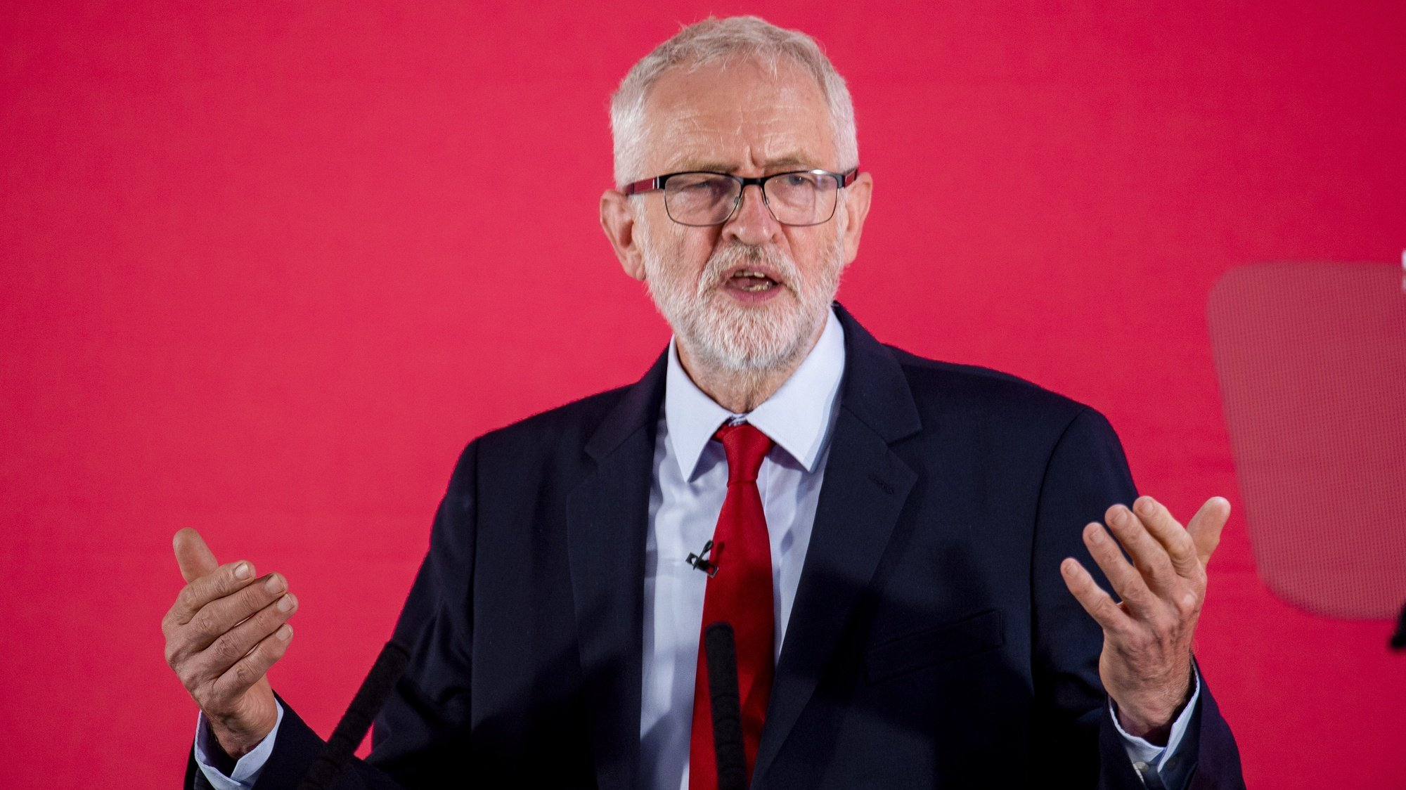 epa08783032 (FILE) -Than Leader of the Labour Party  Jeremy Corbyn makes a keynote speech on the day before Parliament returns, Manchester, Britain, 02 September 2019 (reissued 29 October 2020). According to reports, Jeremy Corbyn has been suspended from the parliamentary Labour due to pending investigation and comments about antisemitism in the Labour Party.  EPA/PETER POWELL . *** Local Caption *** 55822933