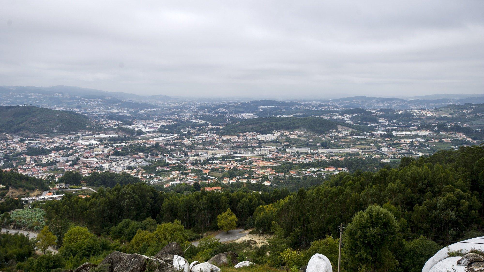 Vista geral de Vizela desde o Miradouro São Bento das Peras, em Vizela, 14 de setembro de 2017. OCTÁVIO PASSOS/LUSA