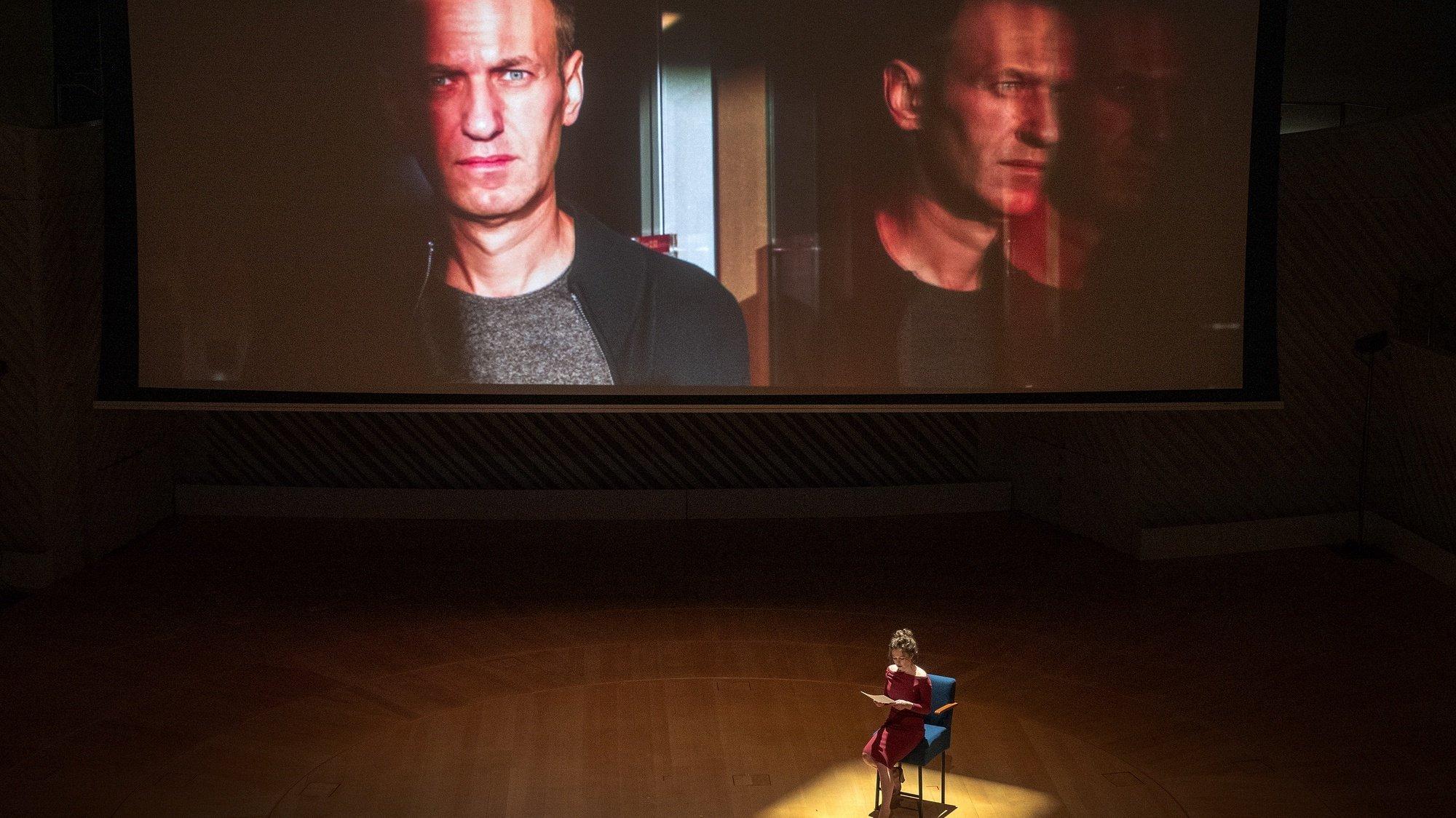 Maria Pevchikh, investigadora principal da fundação Anti-corrupção, conta a história do opositor Alexey Navalny