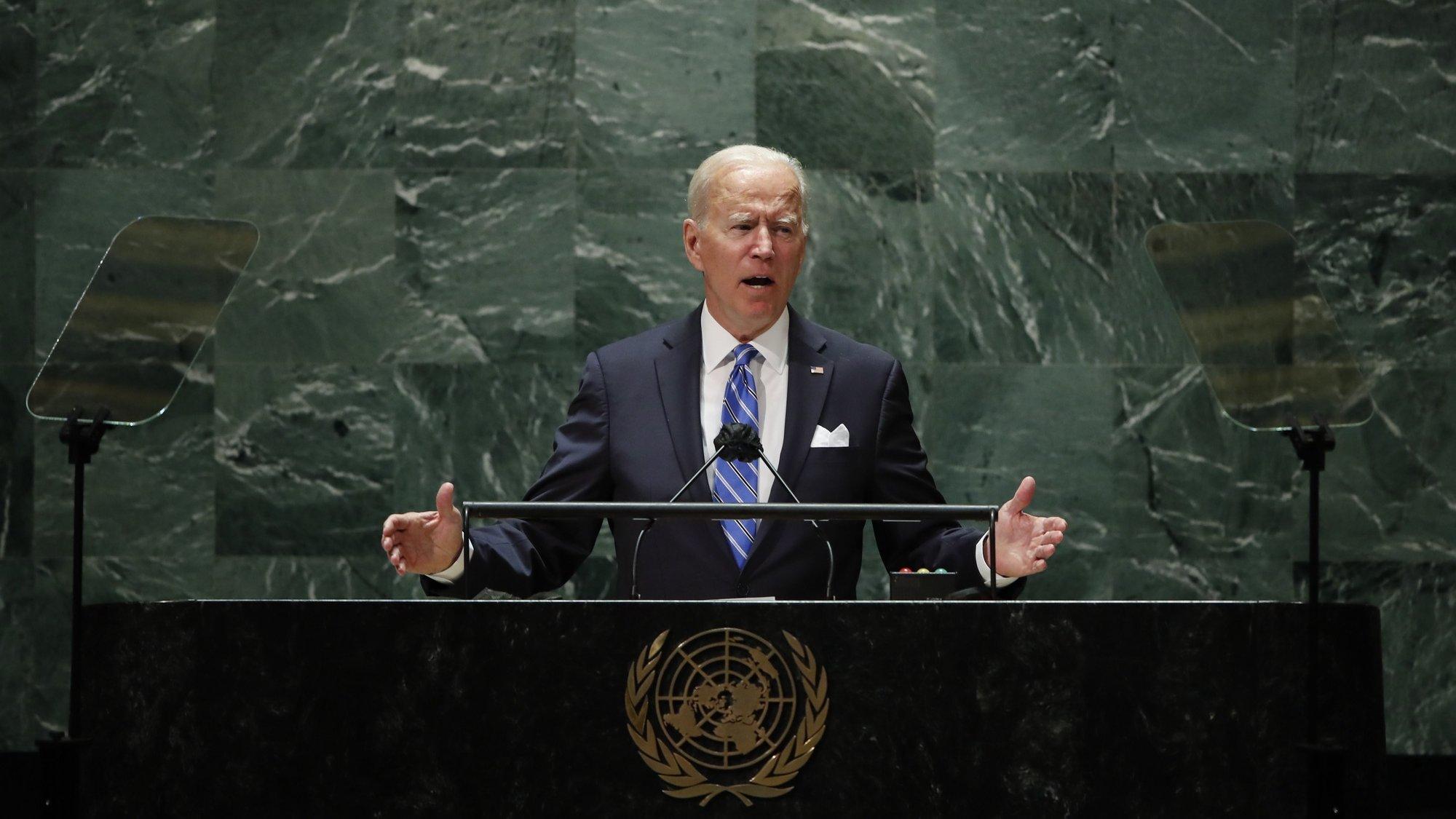 epa09479495 US President Joe Biden addresses the 76th Session of the UN General Assembly in New York City, USA, 21 September 2021.  EPA/EDUARDO MUNOZ / POOL