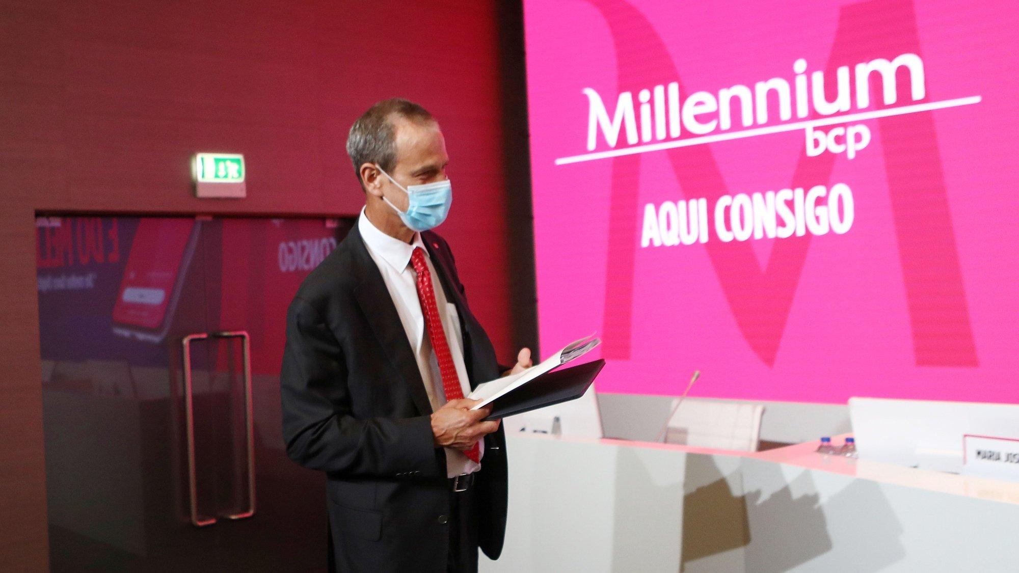 O presidente do Millennium bcp, Miguel Maya, à chegada para a apresentação dos resultados do banco no 3.º semestre de 2020, em Oeiras, 29 de outubro de 2020. ANTÓNIO PEDRO SANTOS/LUSA