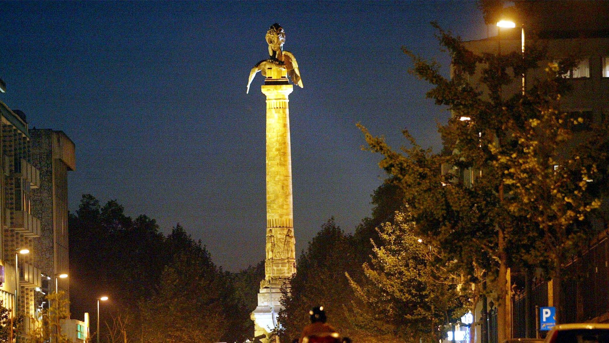 POR01: 20031009: PORTO:  Rotunda da Boavista na cidade do Porto. FOTO ESTELA SILVA / LUSA