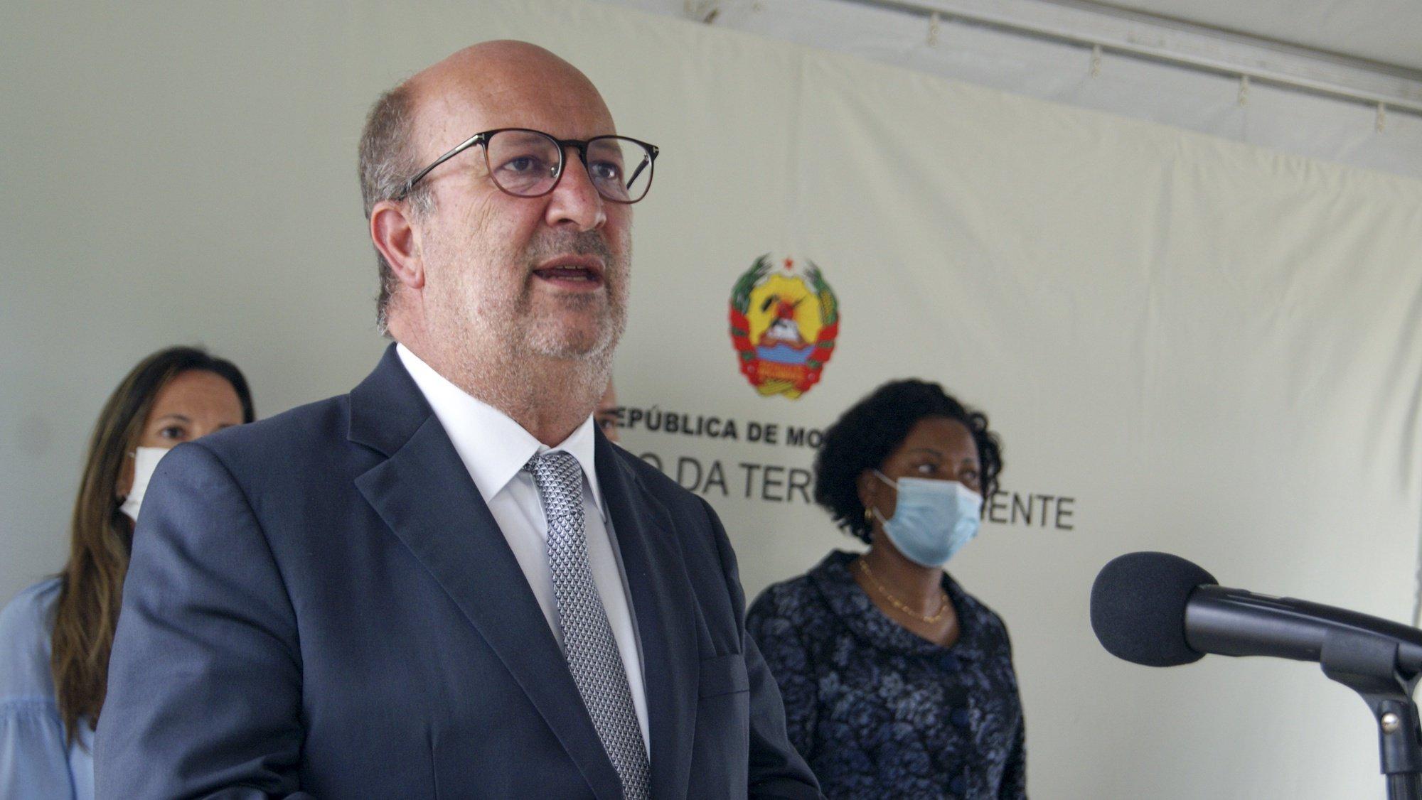 João Pedro Matos Fernandes, ministro do Ambiente e da Ação Climática português, discursa durante o encontro com a ministra da Terra e Ambiente de Moçambique, em Maputo, Moçambique, 16 de setembro de 2021. João Pedro Matos Fernandes está desde quarta-feira em Moçambique, numa visita de quatro dias. (ACOMPANHA TEXTO). LUÍSA NHANTUMBO/LUSA