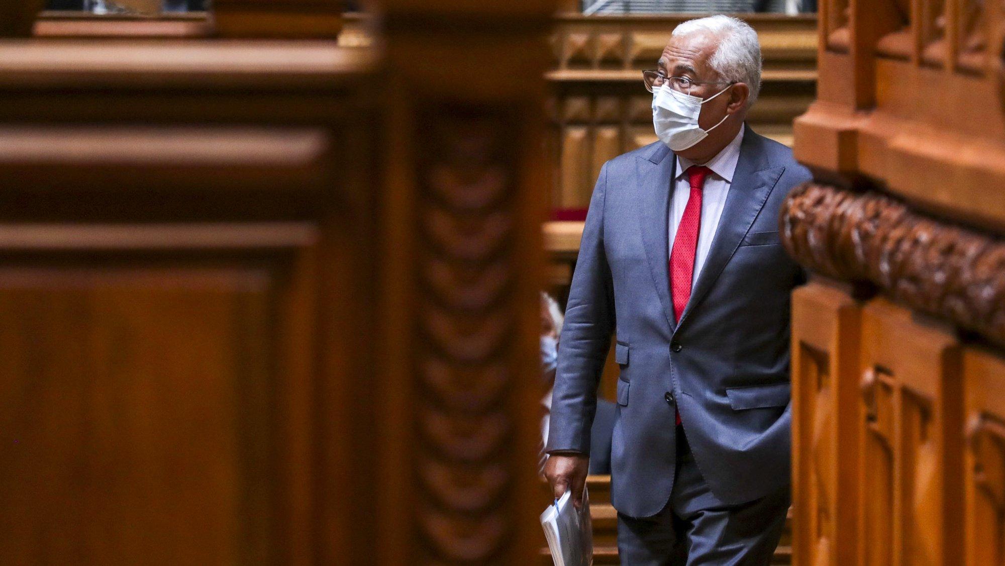 O primeiro-ministro, António Costa, à chegada para a sessão plenária do debate preparatório do Conselho Europeu, na Assembleia da República, em Lisboa, 20 de outubro 2021. TIAGO PETINGA/LUSA