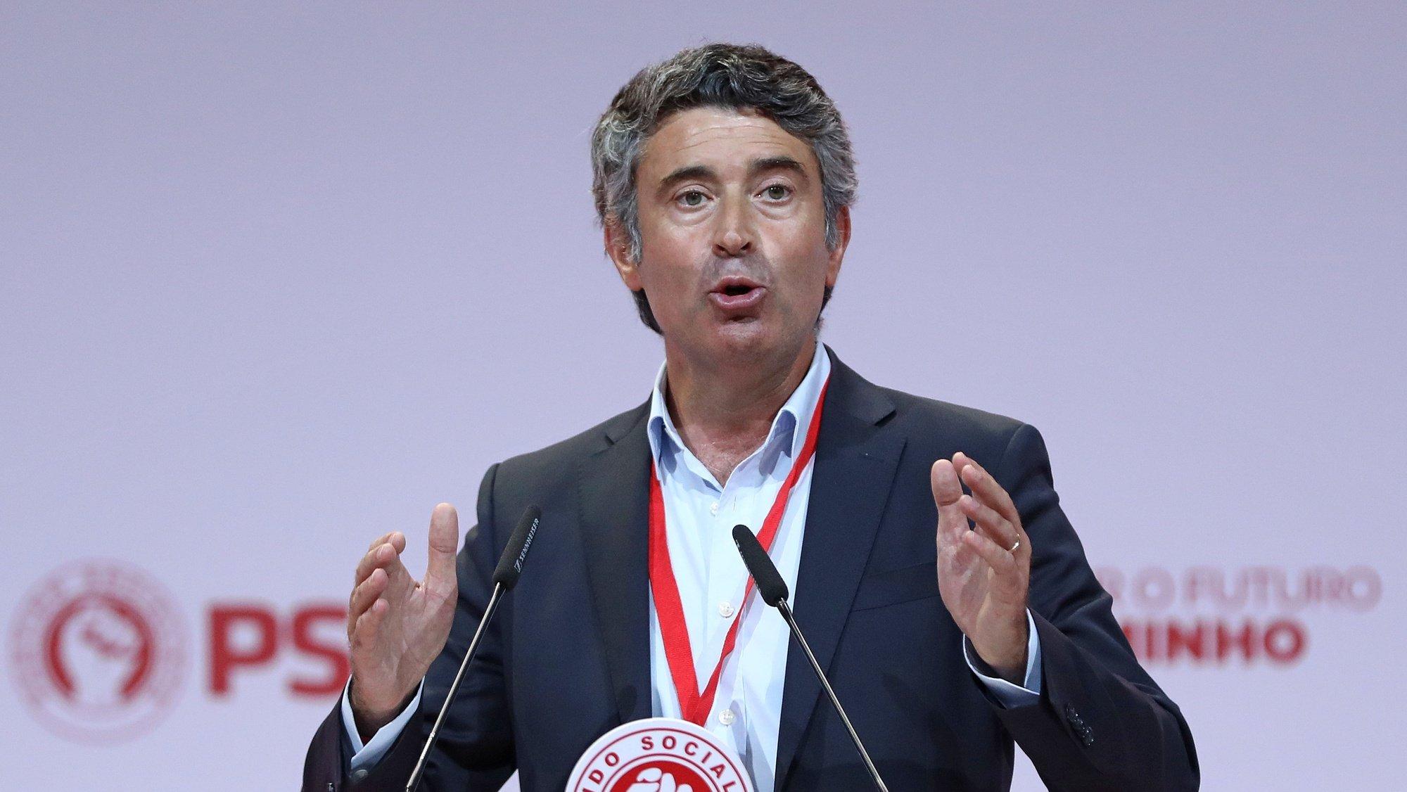 O secretário-geral adjunto do Partido Socialista (PS), José Luis Carneiro, intervém durante o XXIII Congresso Nacional do Partido Socialista (PS), em Portimão, 28 de agosto de 2021. ANTÓNIO PEDRO SANTOS/LUSA