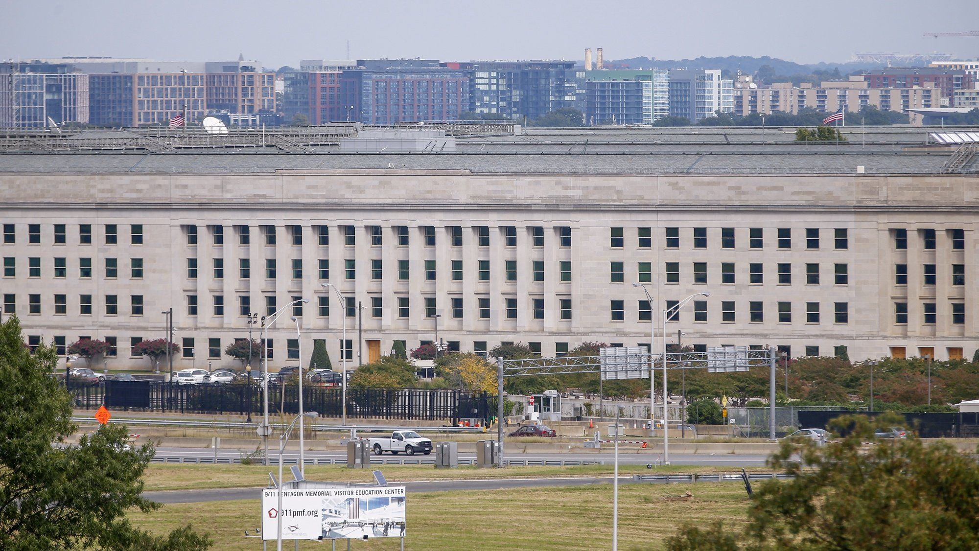 epa07064866 The Pentagon building in Arlington, Virginia, USA, 02 October 2018. Two pieces of mail delivered to the Pentagon mail facility on 01 October 2018 have initially tested positive for ricin, according to US defense officials.  EPA/ERIK S. LESSER