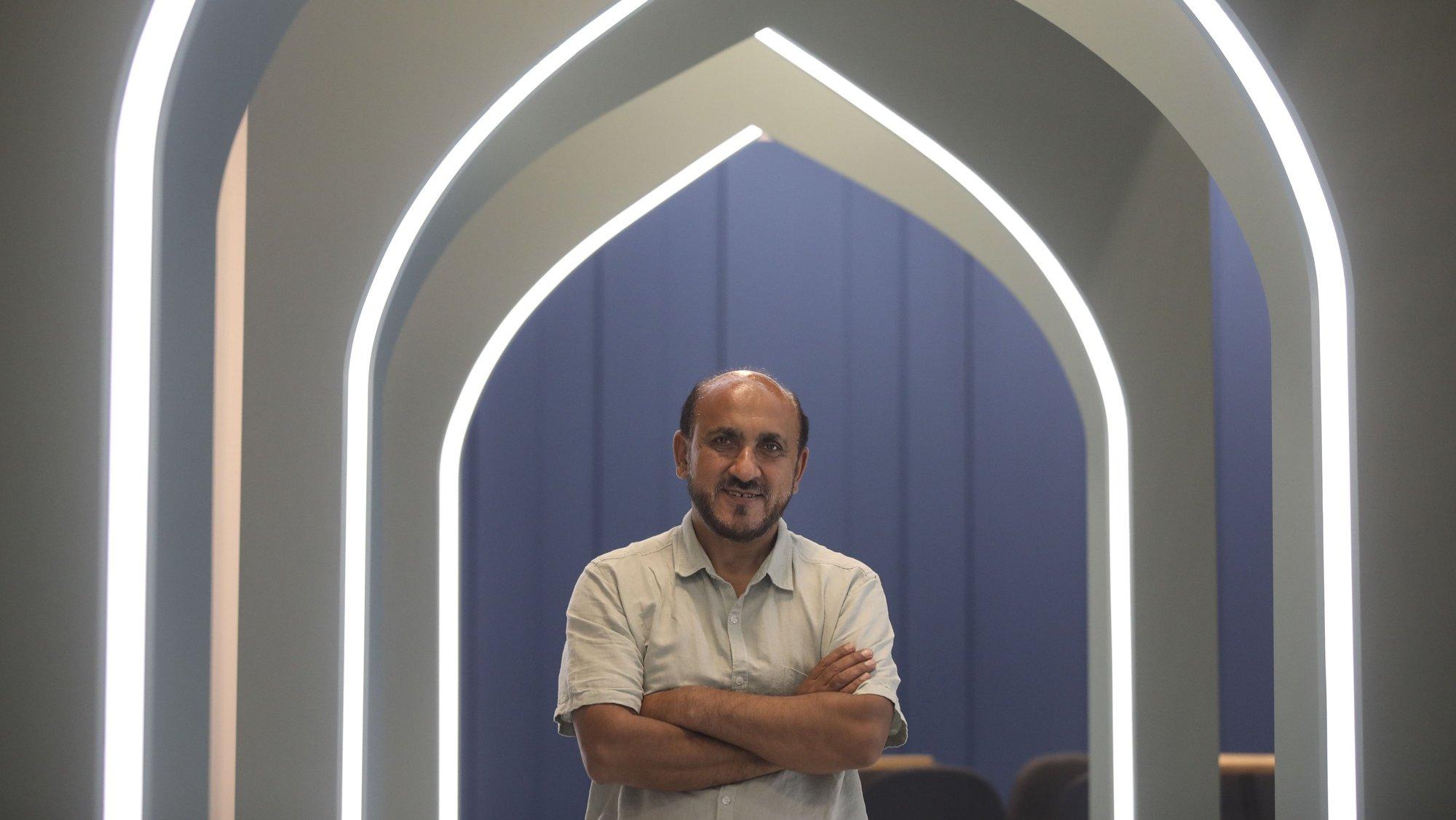 Omer Rahimy responsável pelo Pavilhão do Afeganistão na Expo Dubai 2020, é o mentor de haver um pavilhão do Afeganistão na Expo Dubai, ao ter disponibilizado espólio familiar que veio da Áustria, após os talibãs tomaram Cabul, a participação que estava a ser preparada pelo governo anterior ficou suspensa e com a indicação de acabar, Dubai,  Emirados Árabes Unidos, 21 de outubro de 2021. (ACOMPANHA TEXTO DE 22 DE OUTUBRO DE 2021). ANDRÉ KOSTERS/LUSA
