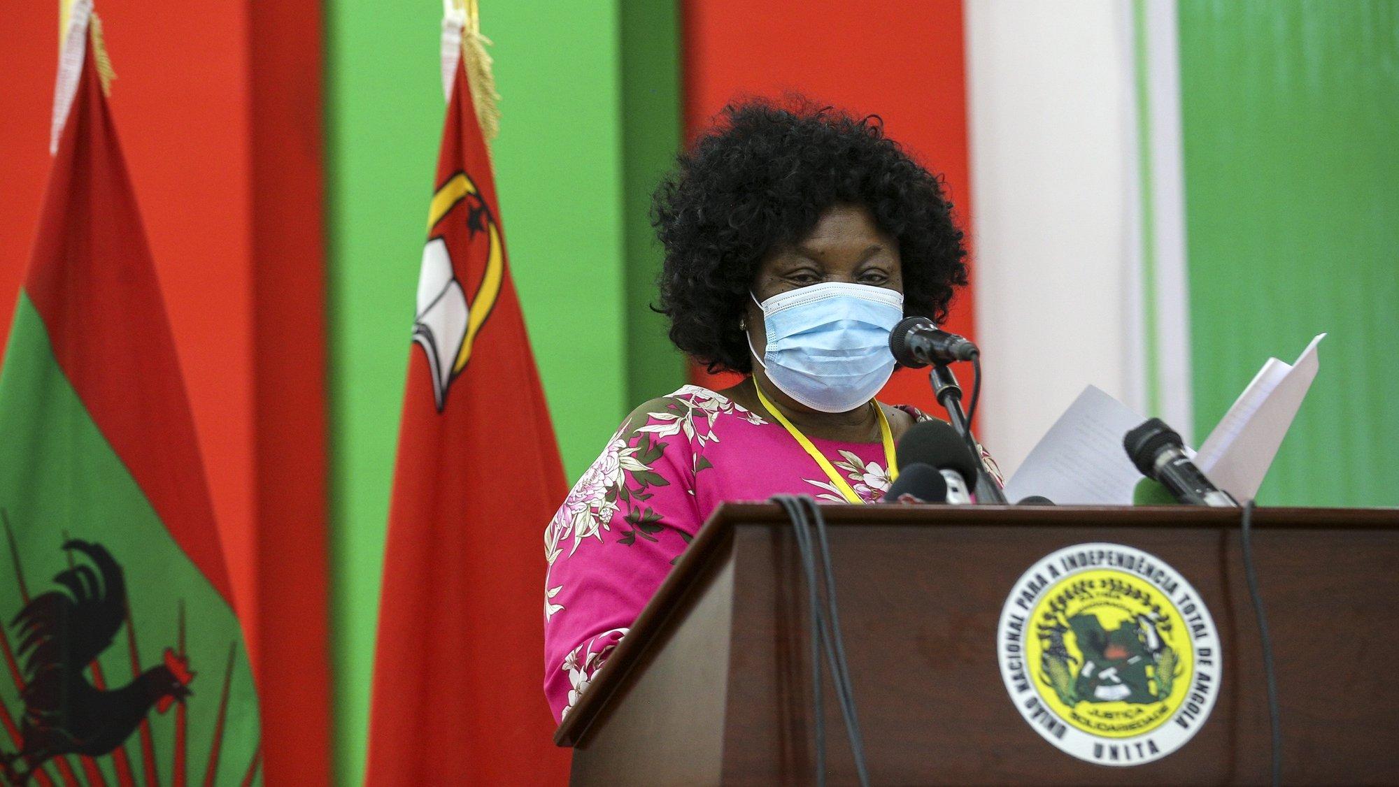 O principal partido da oposição angolana, UNITA, anunciou hoje que o seu XIII Congresso, em que será escolhido um novo líder para o partido, será realizado até 04 de dezembro de 2021 durante a primeira reunião extraordinária da comissão política da União Nacional para Independência Total de Angola (UNITA), Luanda, Angola, 20 de outubro de 2021. A necessidade de realização de um novo Congresso foi aprovada com 222 votos favoráveis, um voto contra e 11 abstenções. AMPE ROGÉRIO/LUSA