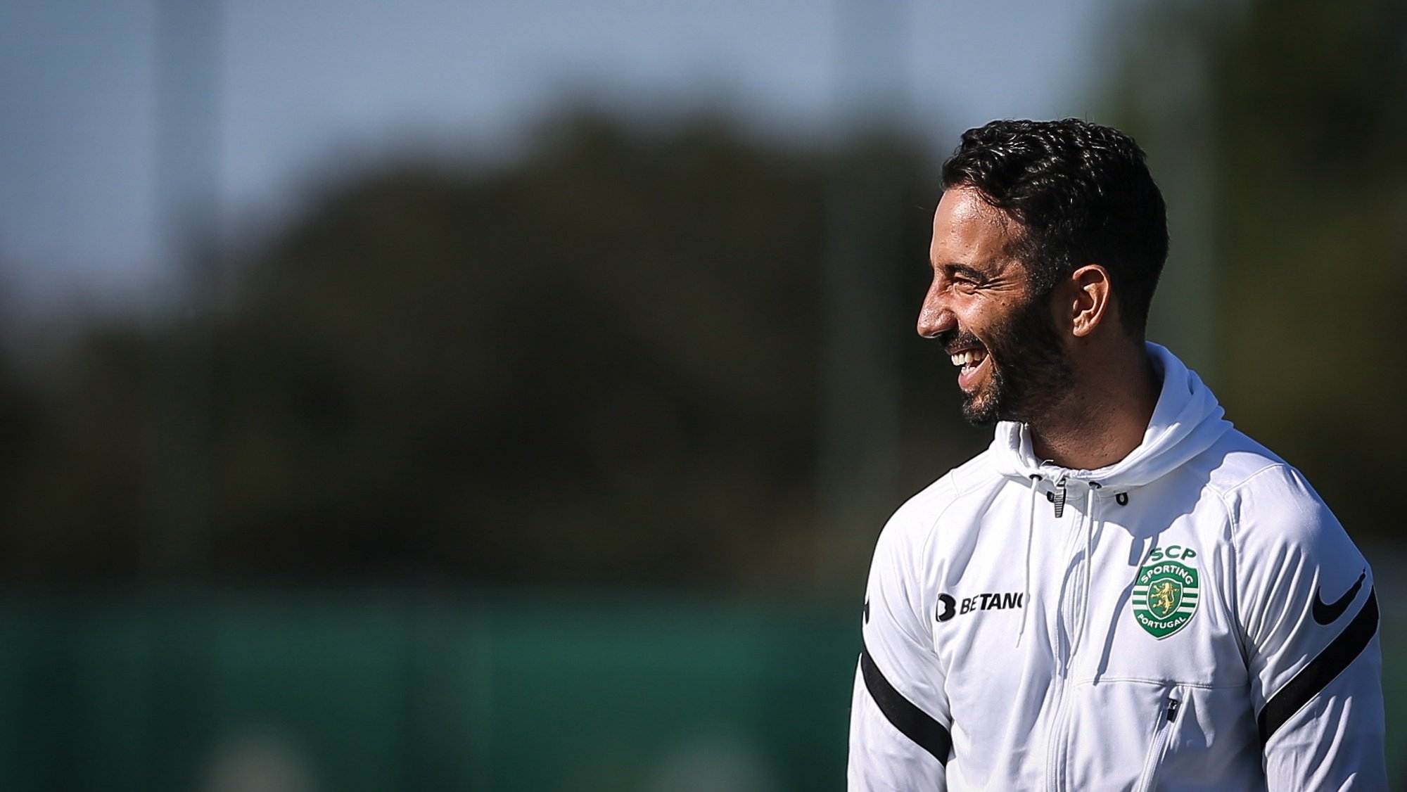 epa09491228 Sporting head coach Ruben Amorim reacts during a training session in Alcochete, Portugal, 27 September 2021. Sporting CP will face Borussia Dortmund in Germany on 28 September 2021 in their UEFA Champions League group stage soccer match.  EPA/RODRIGO ANTUNES