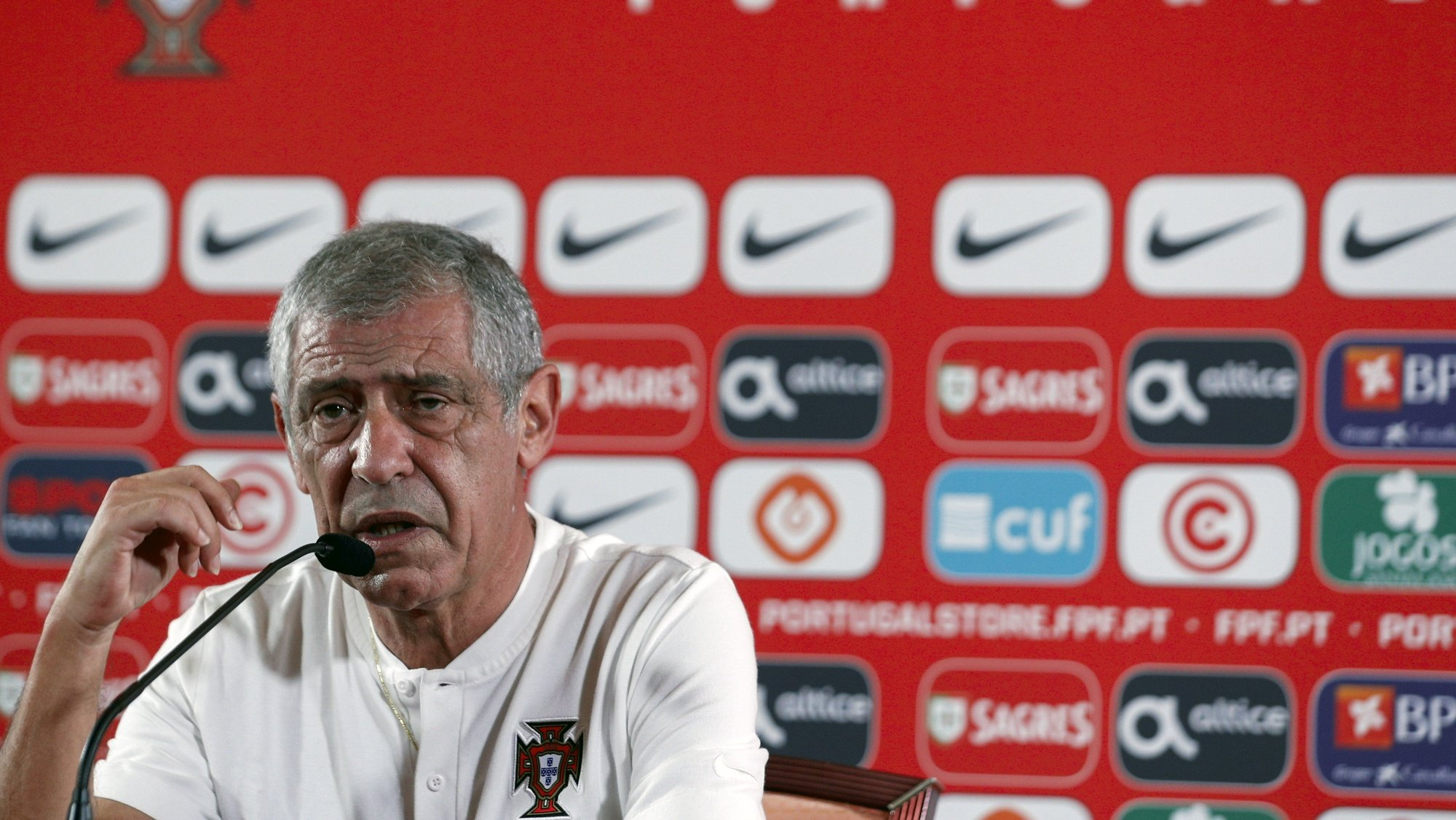 epa09518535 Portugal´s national soccer team head coach, Fernando Santos during a press conference at Garrao Village, Loule, Faro, South of Portugal, 11 October 2021. Portugal will face Luxembourg in their FIFA World Cup Qatar 2022 qualifying group A soccer match on 12 October 2021 in Faro.  EPA/ANTONIO COTRIM