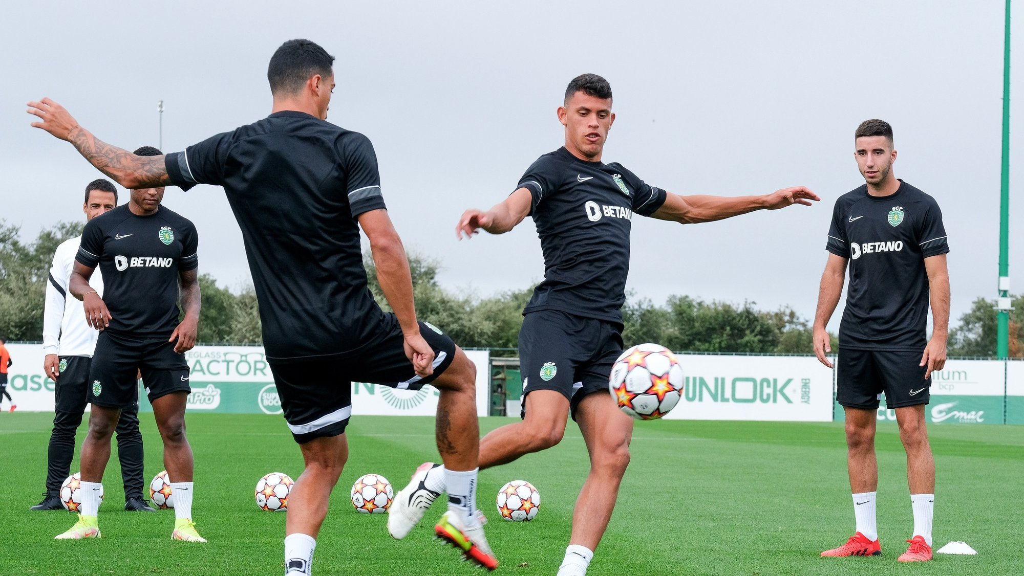 Sporting players Matheus Nunes (2R) and Gonçalo Inacio (R) during a training session in preparation for the upcoming Champions League soccer match with Ajax, Alcochete, Portugal, 14th September 2021. RUI MINDERICO/LUSA