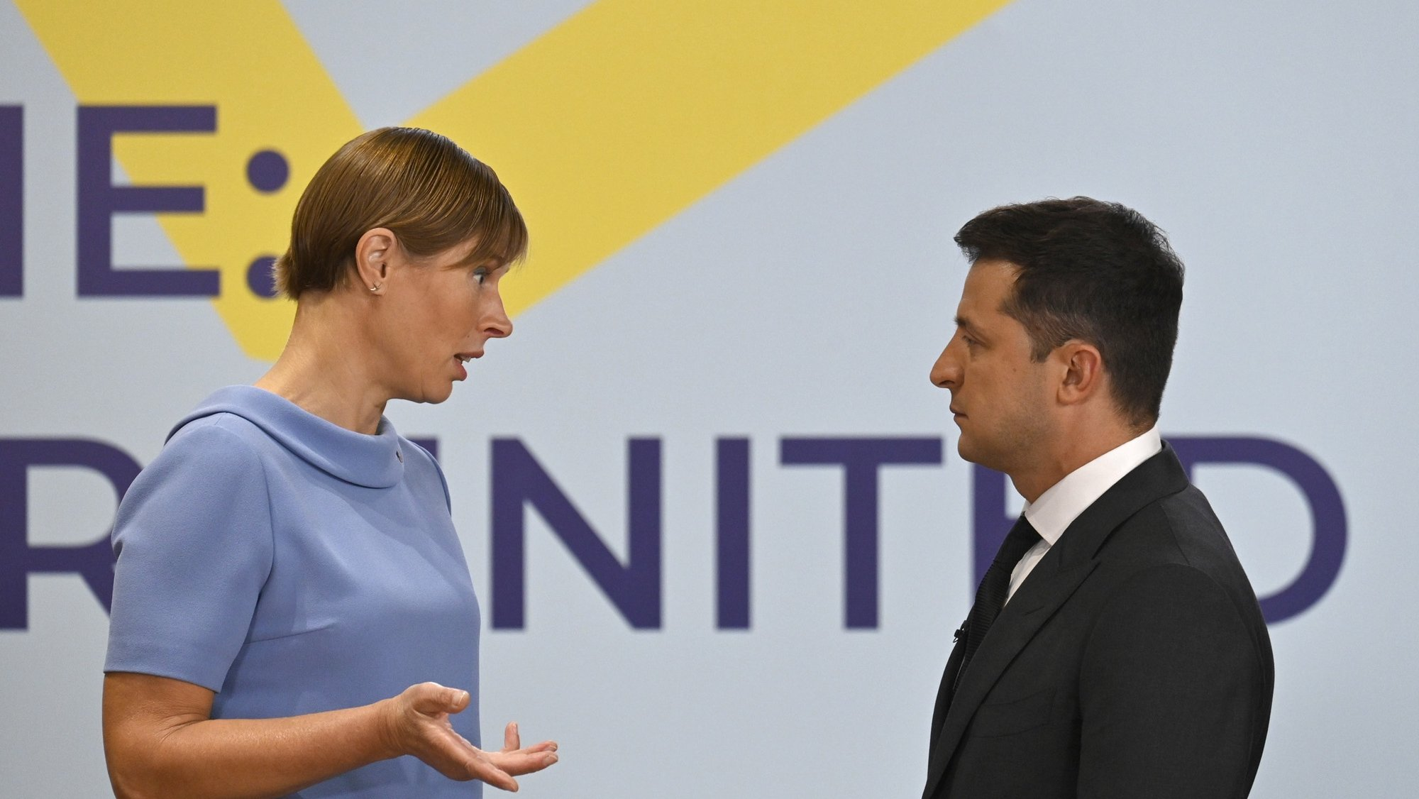 epa09425951 A handout photo made available by the Presidential press service shows Ukrainian President Volodymyr Zelensky (R) meeting with Kersti Kaljulaid (L), President of the Republic of Estonia, during the Crimea Platform summit in Kiev, Ukraine, 23 August 2021. The Crimea Platform is a new international consultation and coordination format set up to develop the initiative put forward by the President of Ukraine and aimed at improving the effectiveness of the international response to the ongoing occupation of Crimea.  EPA/FOREIGN MINISTRY PRESS SERVICE HANDOUT  HANDOUT EDITORIAL USE ONLY/NO SALES