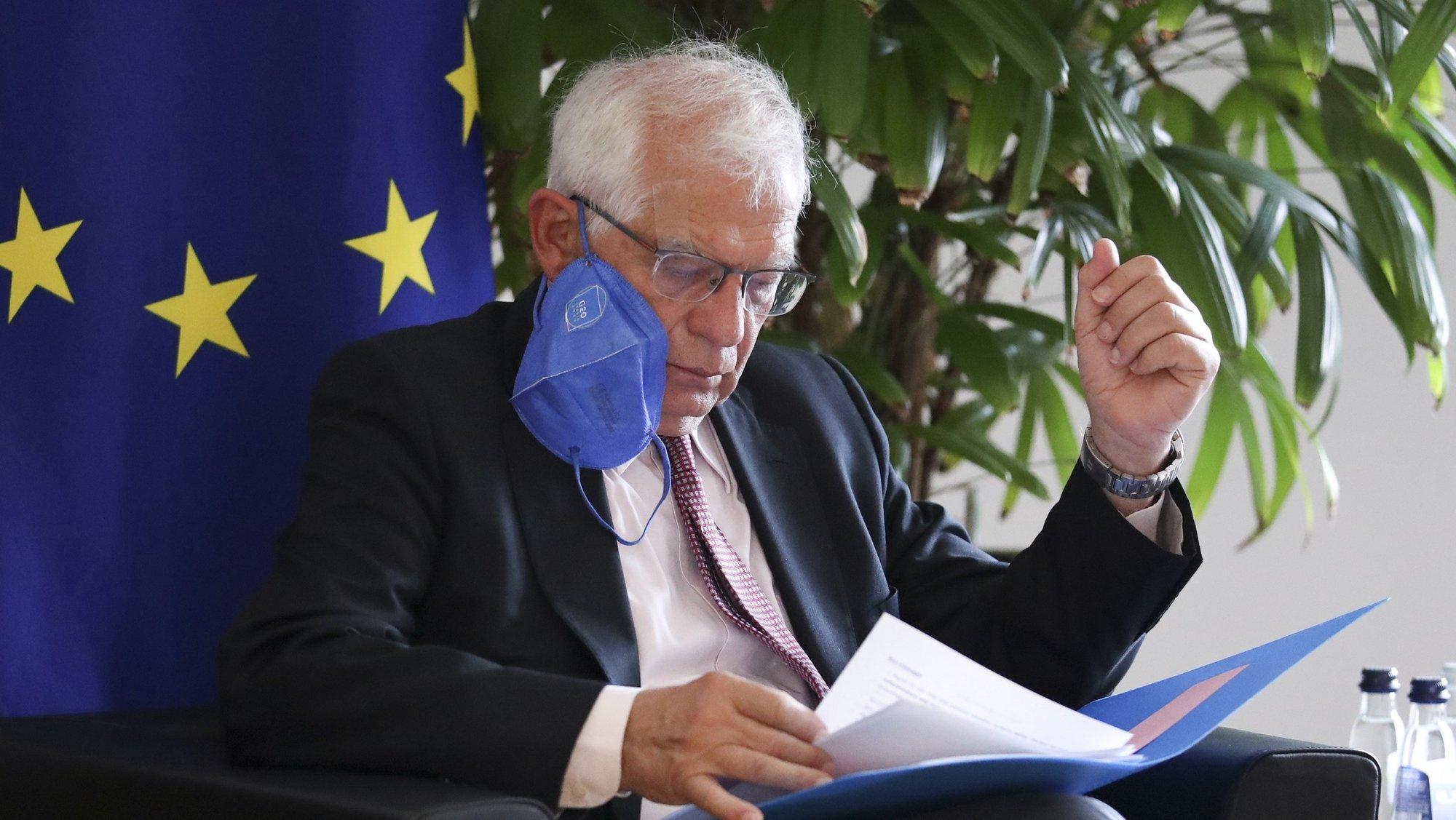 epa09341645 European Union foreign policy chief Josep Borrell sits down for a meeting with Zoran Tegeltija, Chairman of the Council of Ministers of Bosnia and Herzegovina, in Brussels, Belgium, 13 July 2021.  EPA/PASCAL ROSSIGNOL / POOL