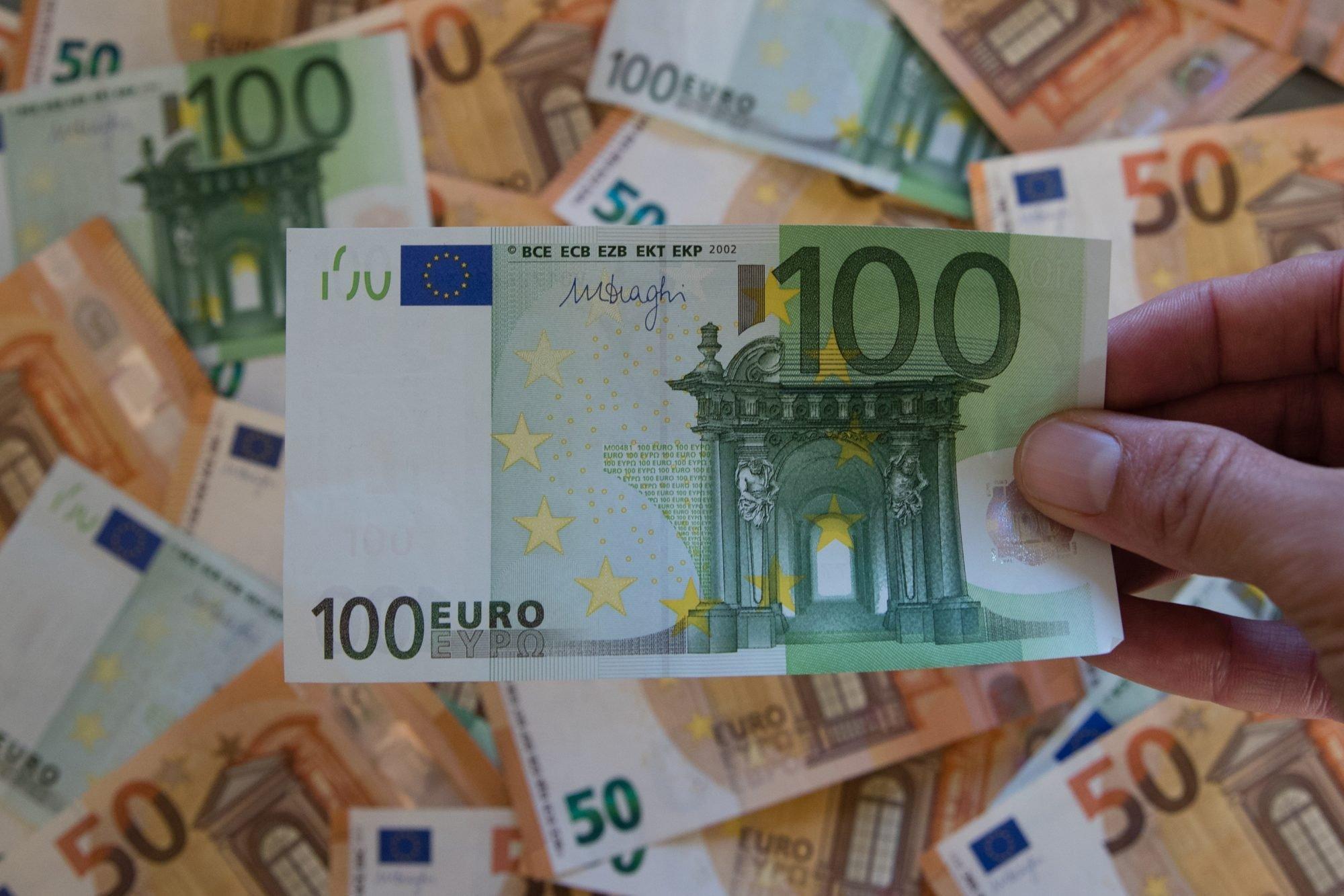Notas euro dinheiro