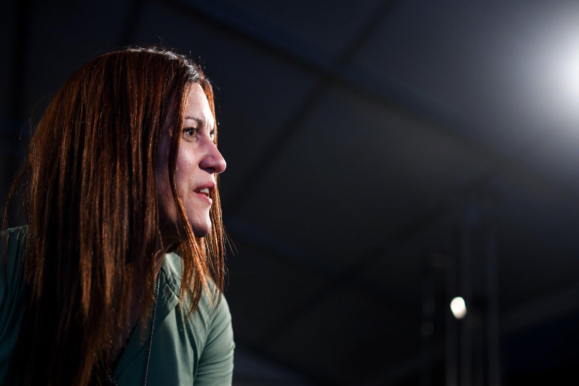 """A cabeça de lista do Bloco de Esquerda (BE) às eleições europeias, Marisa Matias, intervém durante o comício """"Lado a Lado pelo que é de Todos"""", no âmbito da campanha para as eleições europeias 2019, em Braga. 21 de maio de 2019. HUGO DELGADO / LUSA"""