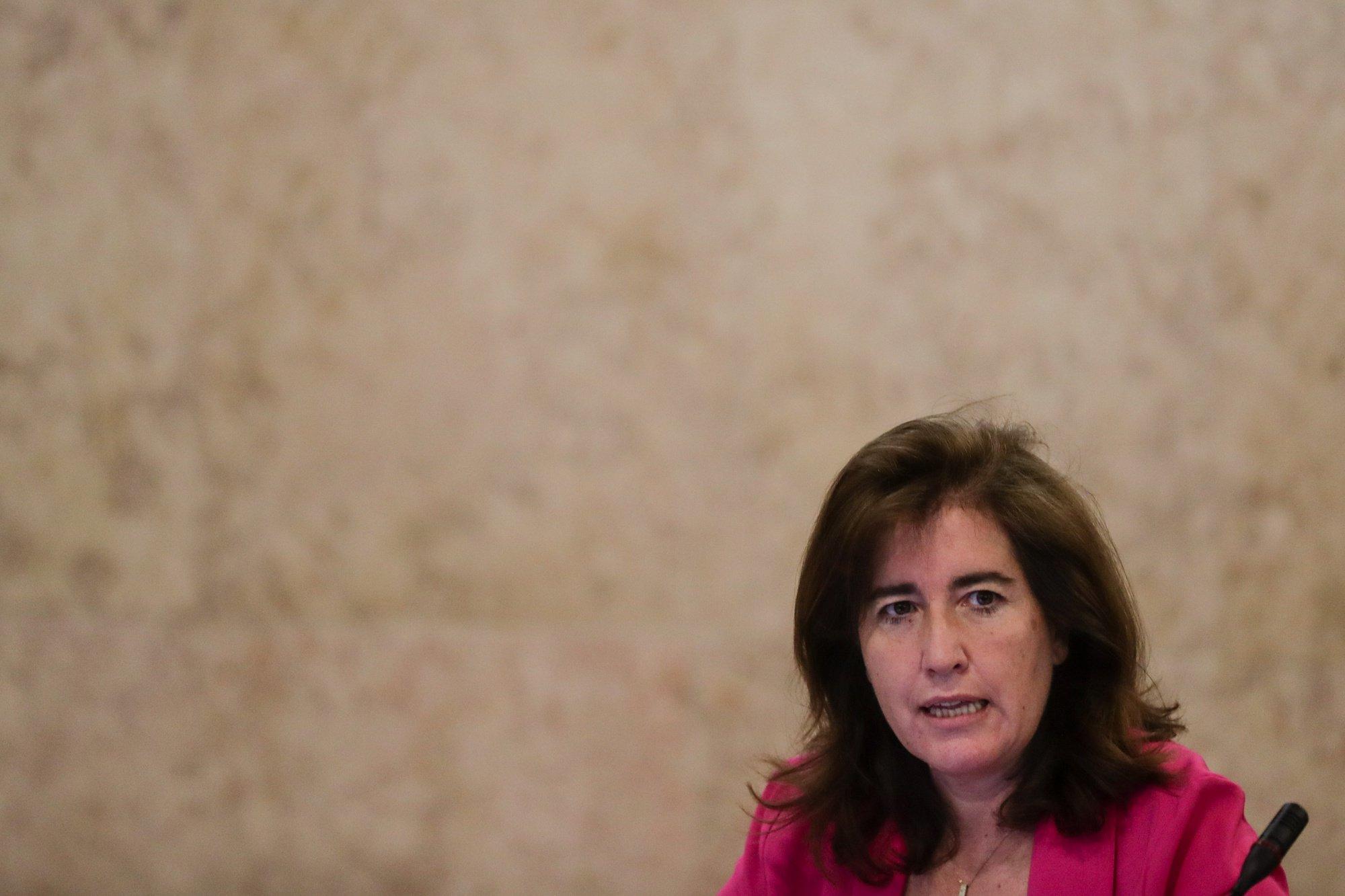 A ministra do Trabalho, Solidariedade e Segurança Social, Ana Mendes Godinho, fala perante a Comissão de Trabalho e Segurança Social, na Assembleia da República em Lisboa, 26 de maio de 2021. TIAGO PETINGA/LUSA