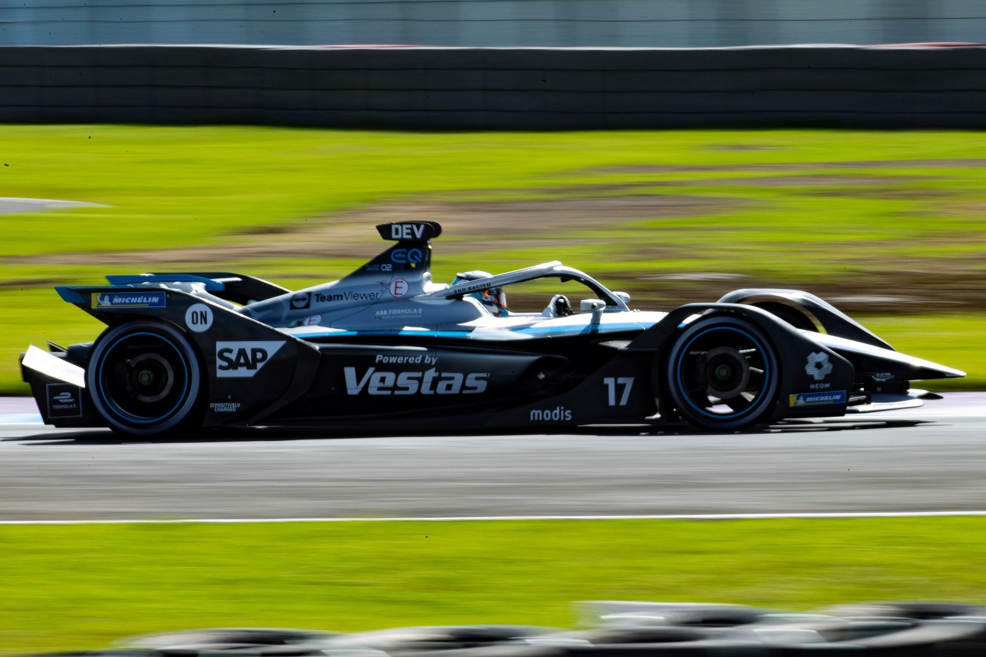 epa09286653 Nyck de Vries, of the Mercedes-Benz EQ Formula E Team, in action during the Formula E championship, in the state from Puebla, Mexico, 19 June 2021.  EPA/Carlos Ramirez