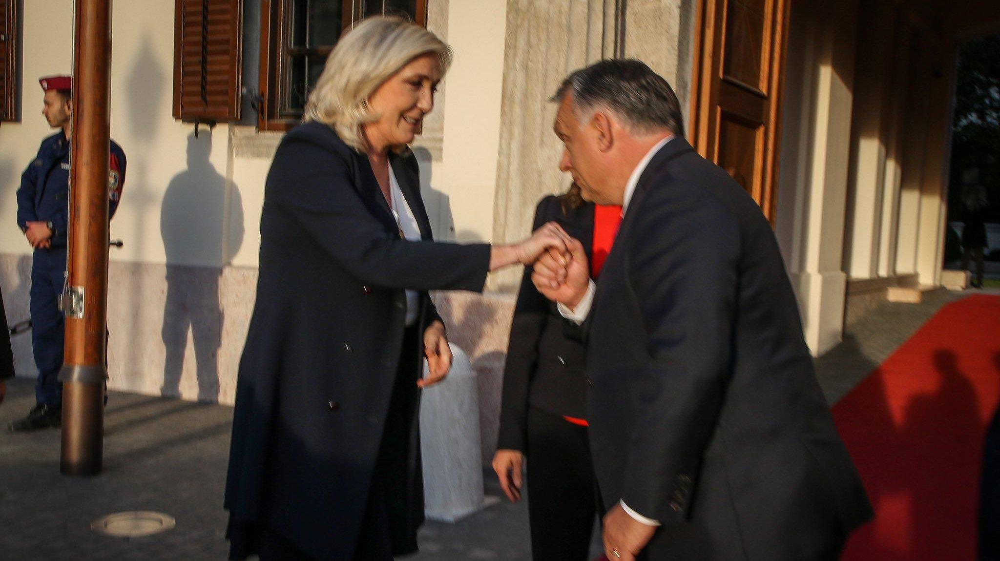 Marine Le Pen, Órban