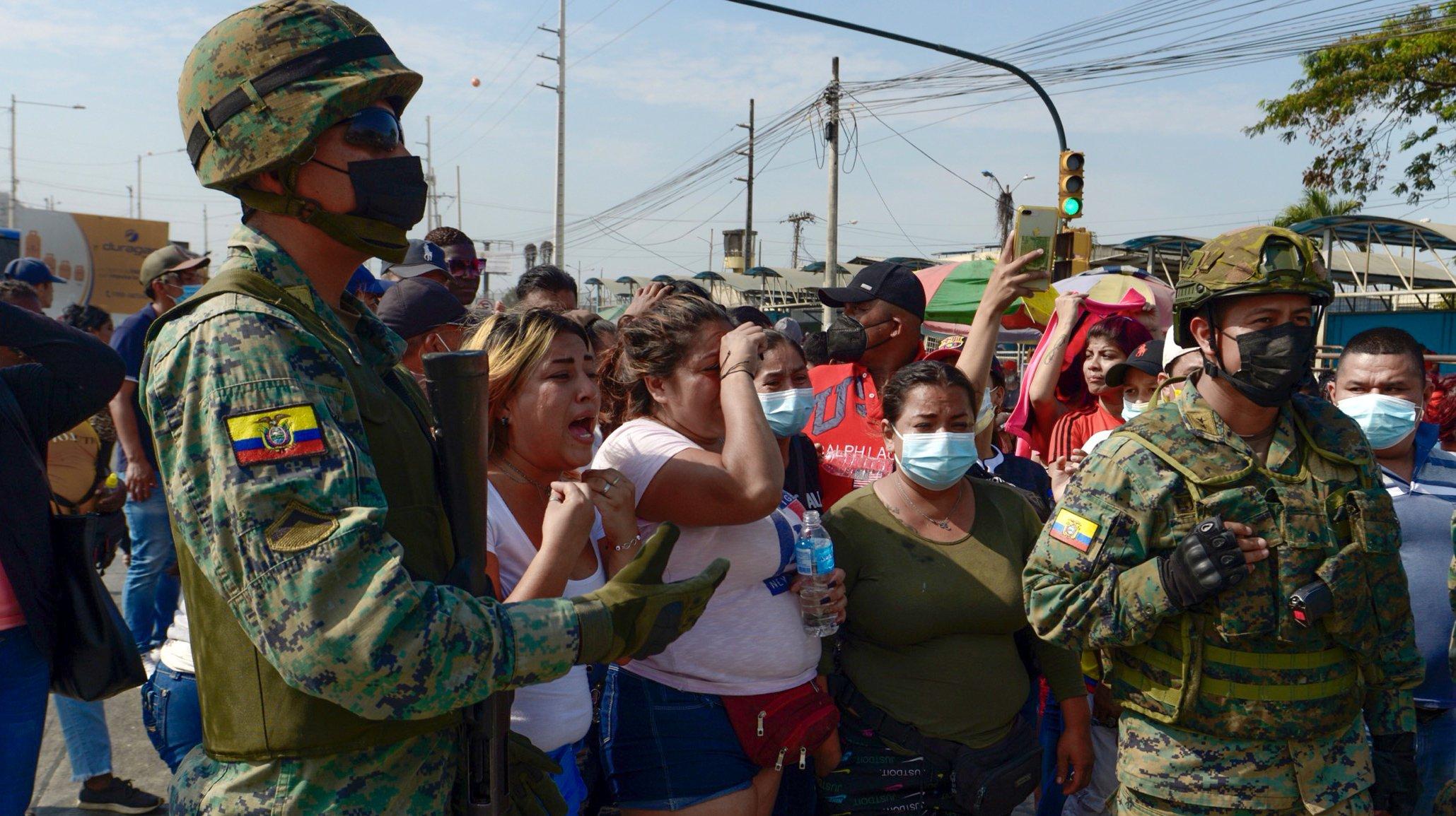 Fighting in prison in Ecuador
