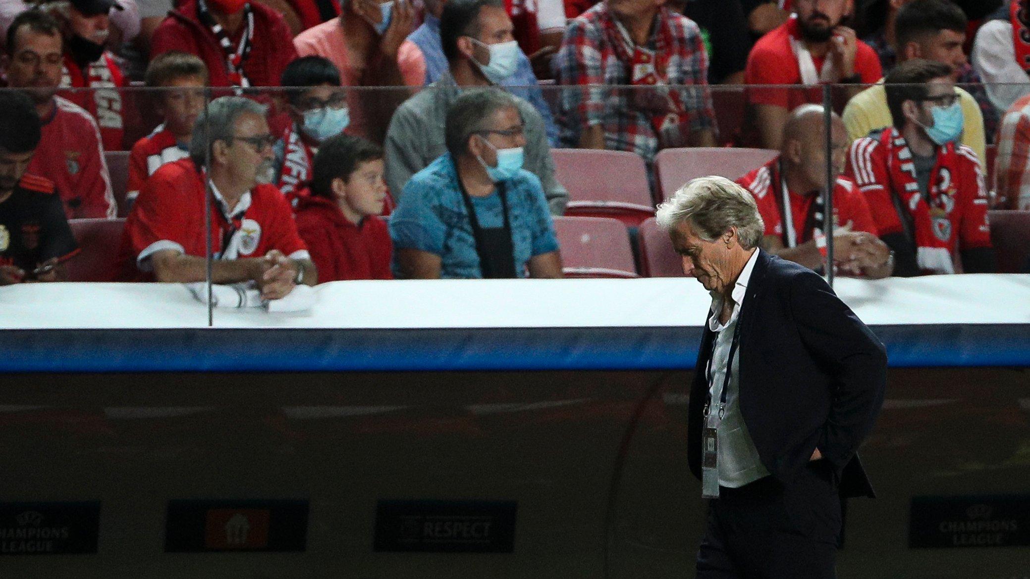 Jorge Jesus durante o jogo entre o Sport Lisboa e Benfica e o Fussball Club Bayern Munchen, no estádio da Luz, a contar para a 3ª jornada da fase de grupos da Liga dos Campeões 2021/22. Lisboa, 20 de Outubro de 2021. FILIPE AMORIM/OBSERVADOR