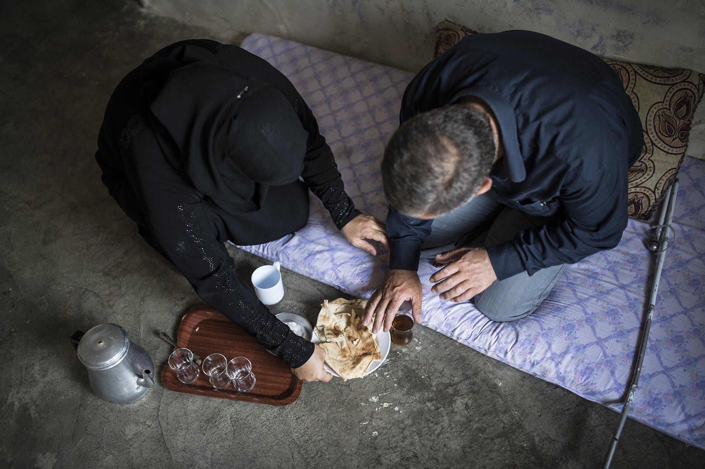 Visually-impaired Syrian refugee's struggle