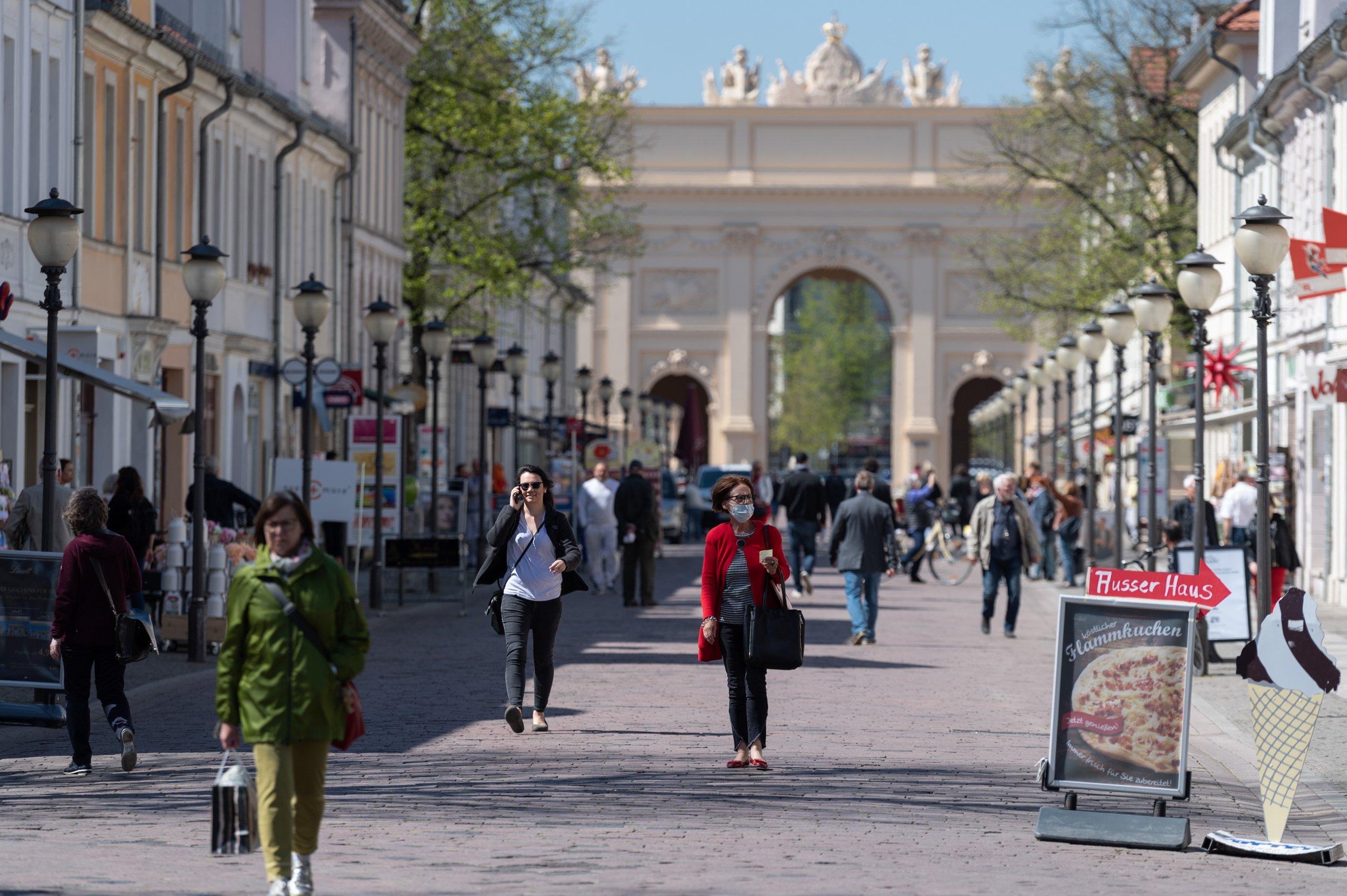 Coronavirus - Smaller shops can open again
