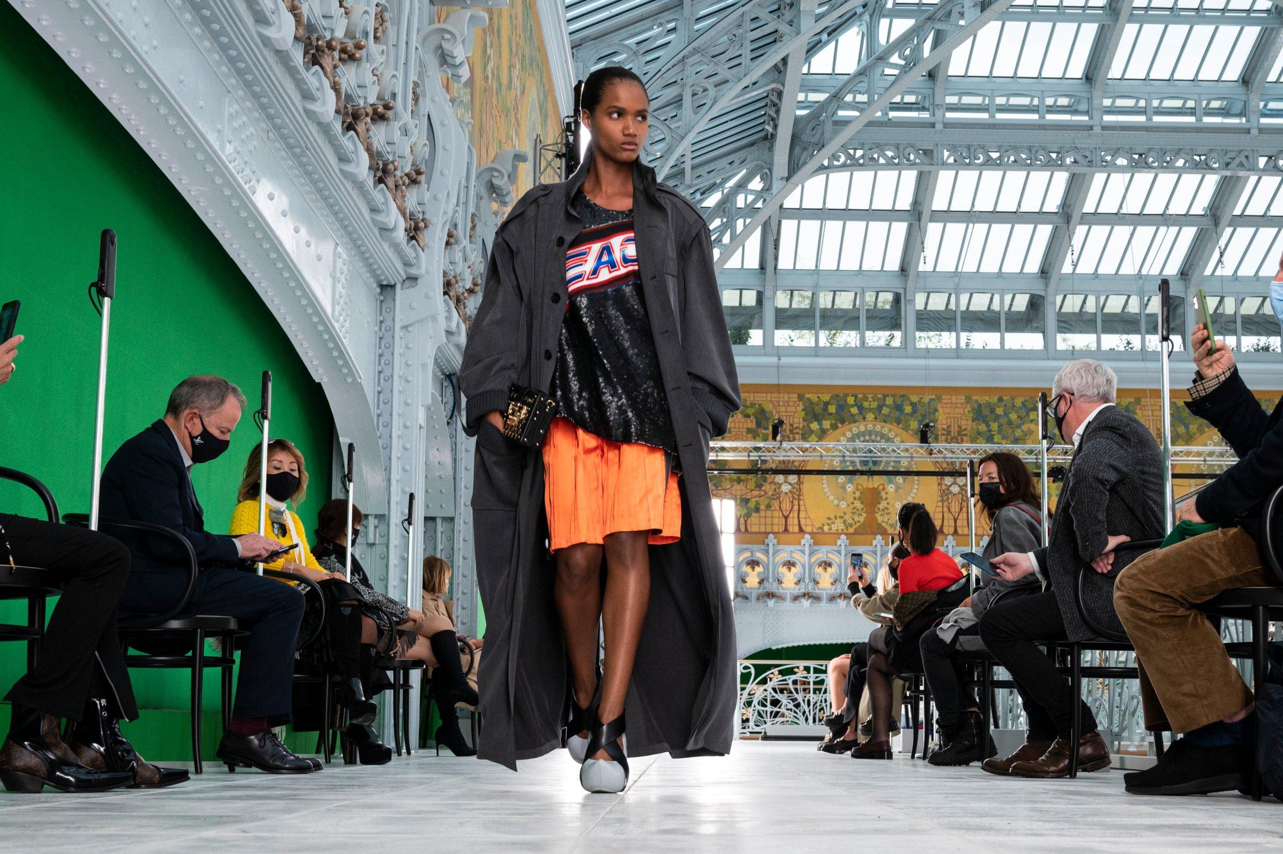 Louis Vuitton : Runway - Paris Fashion Week - Womenswear Spring Summer 2021